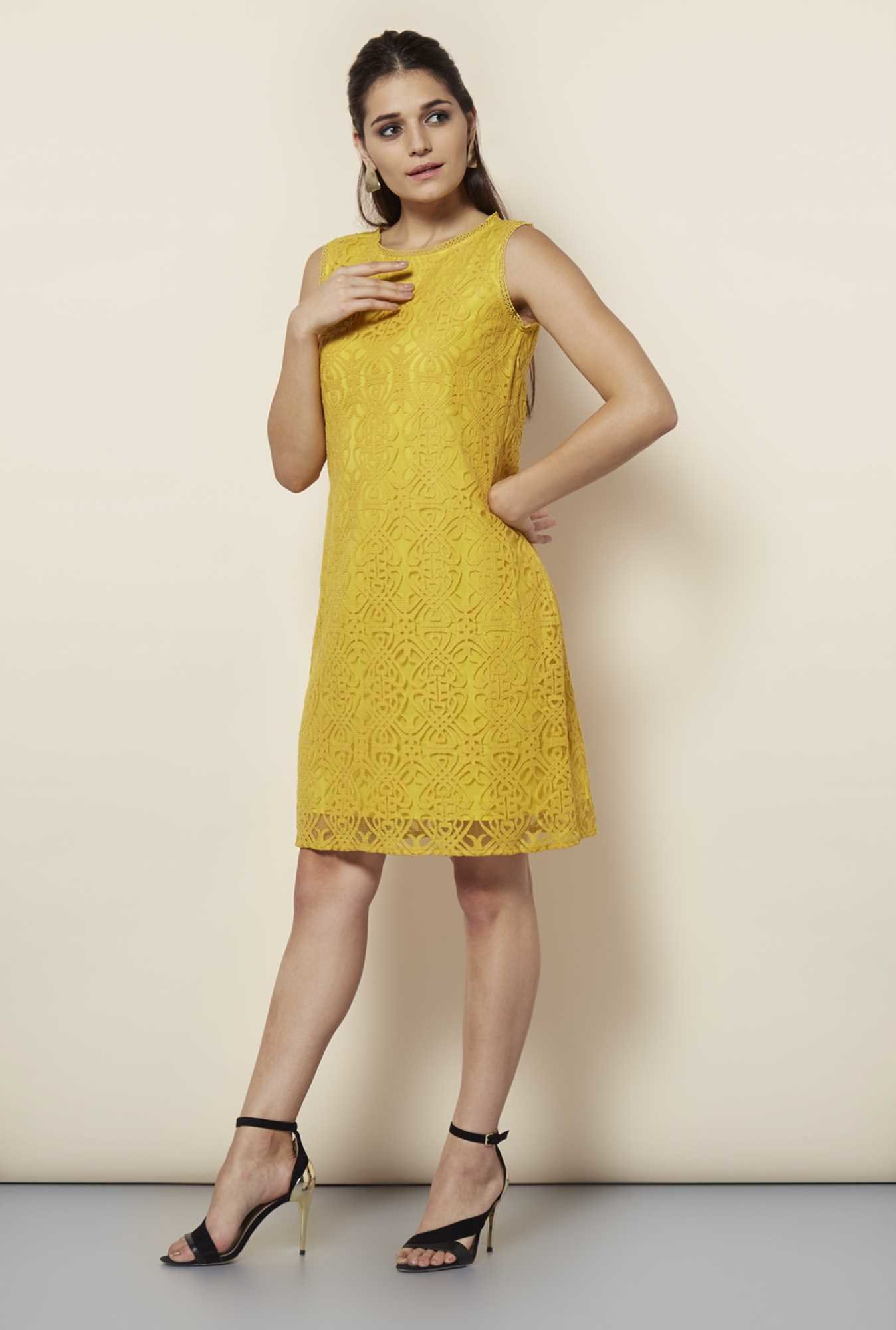 109 F Lime Lace Casual Dress