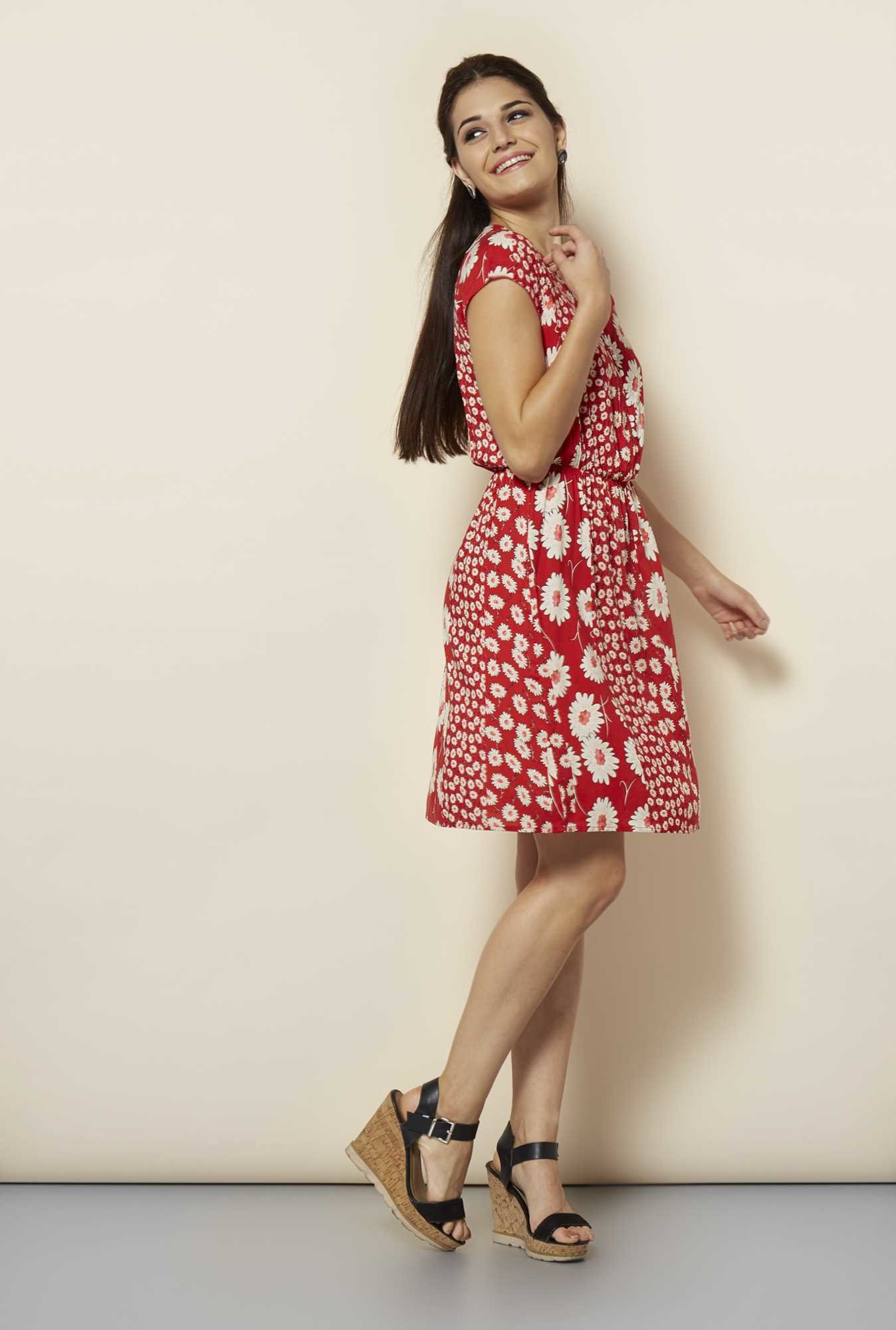 109 F Red Floral Casual Dress
