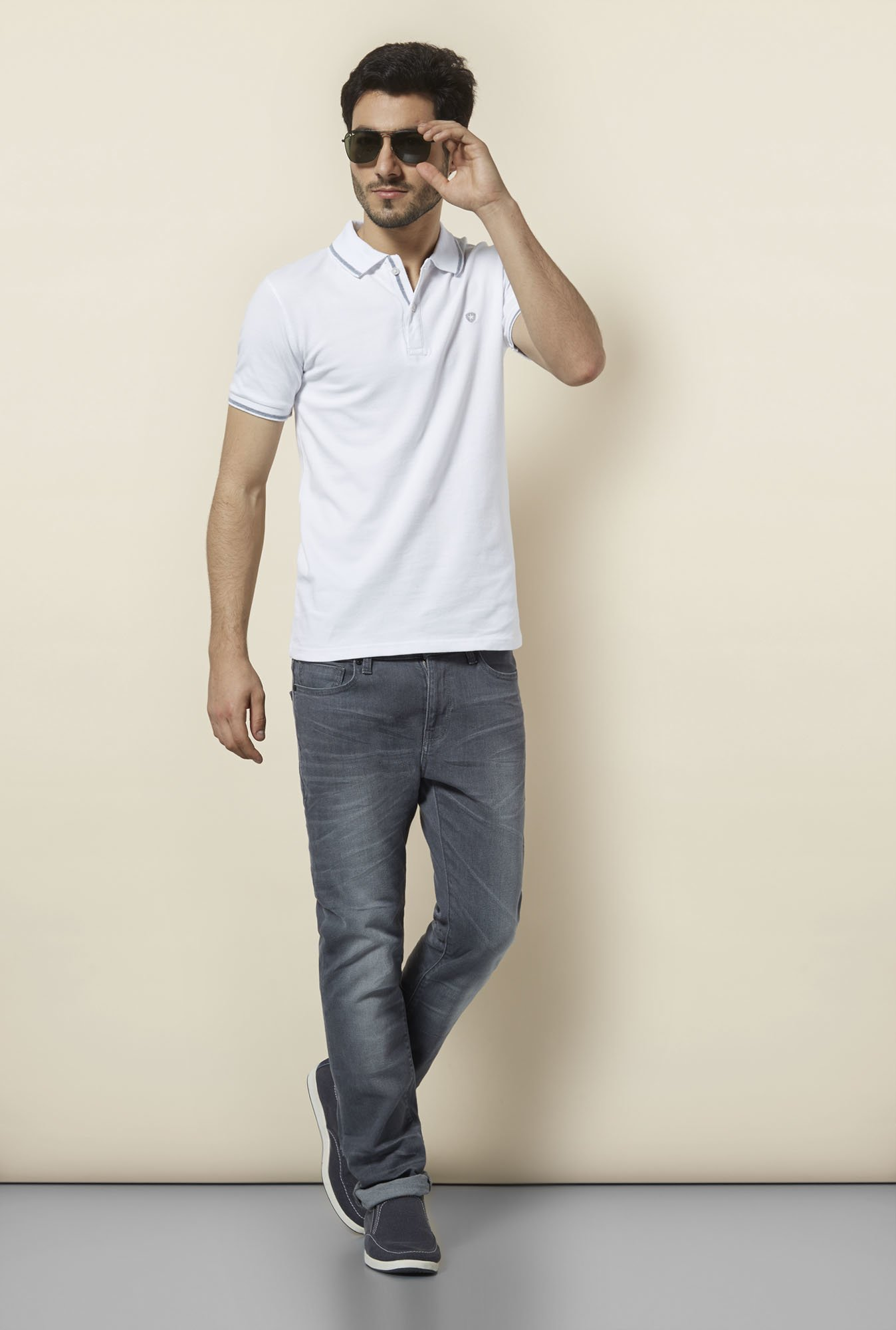 celio* White Solid Polo T-Shirt