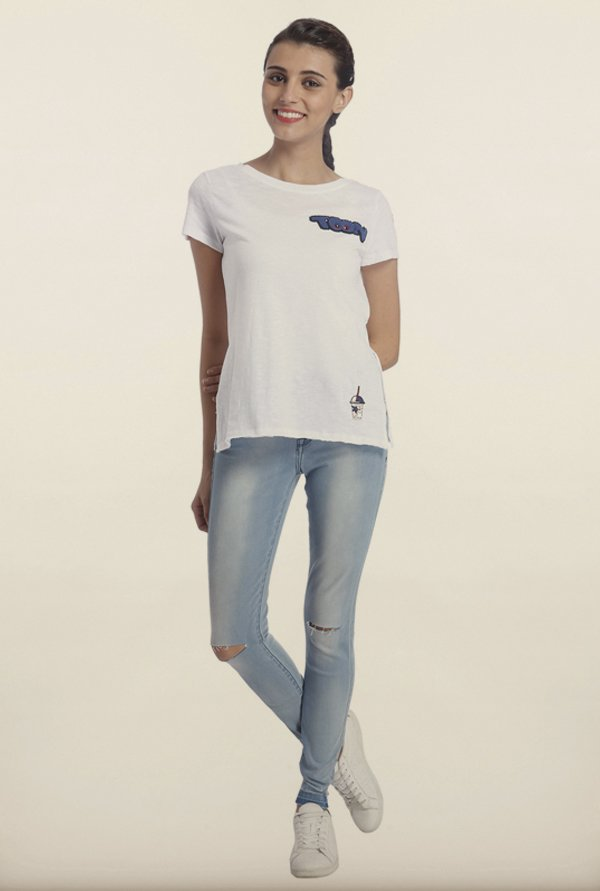 Only White Solid Embellished T-Shirt