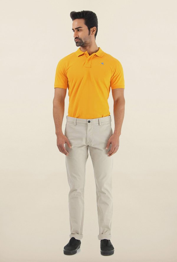 Shapes White Solid Slim Fit Chinos