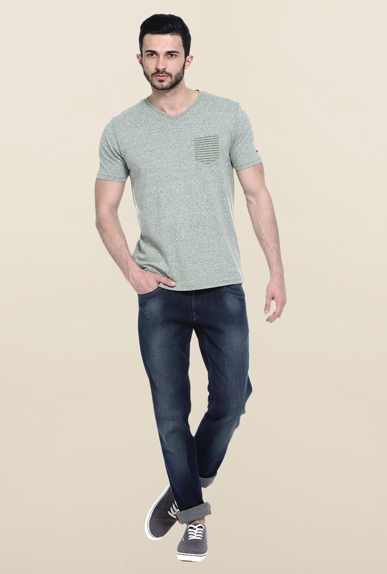 Basics Green Solid Slim fit T-Shirt
