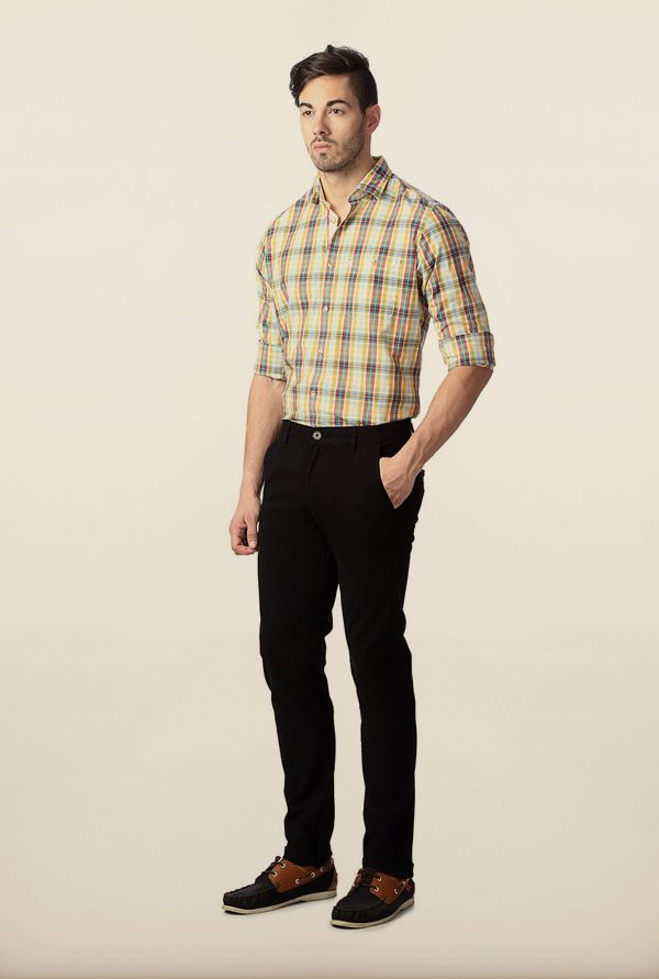 Peter England Black Solid Chinos