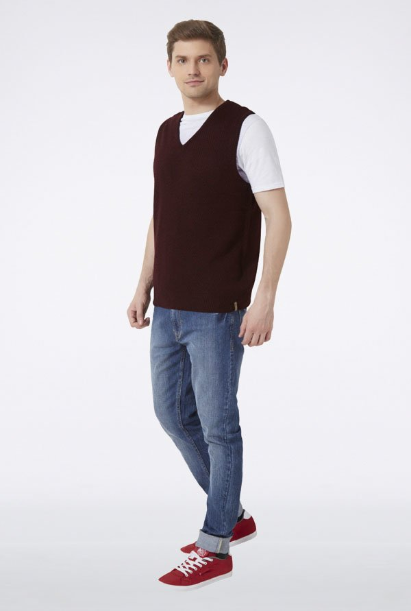 Peter England Maroon Solid Sleeveless Sweater