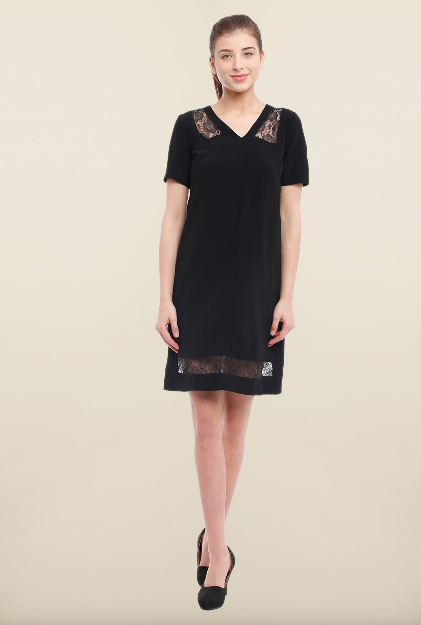 Avirate Black Solid Short Sleeves Shift Dress