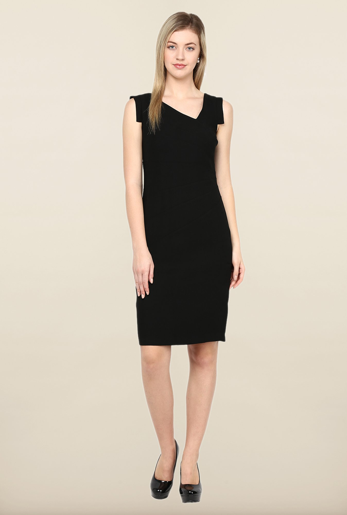 Avirate Black Solid V Neck Casual Dress
