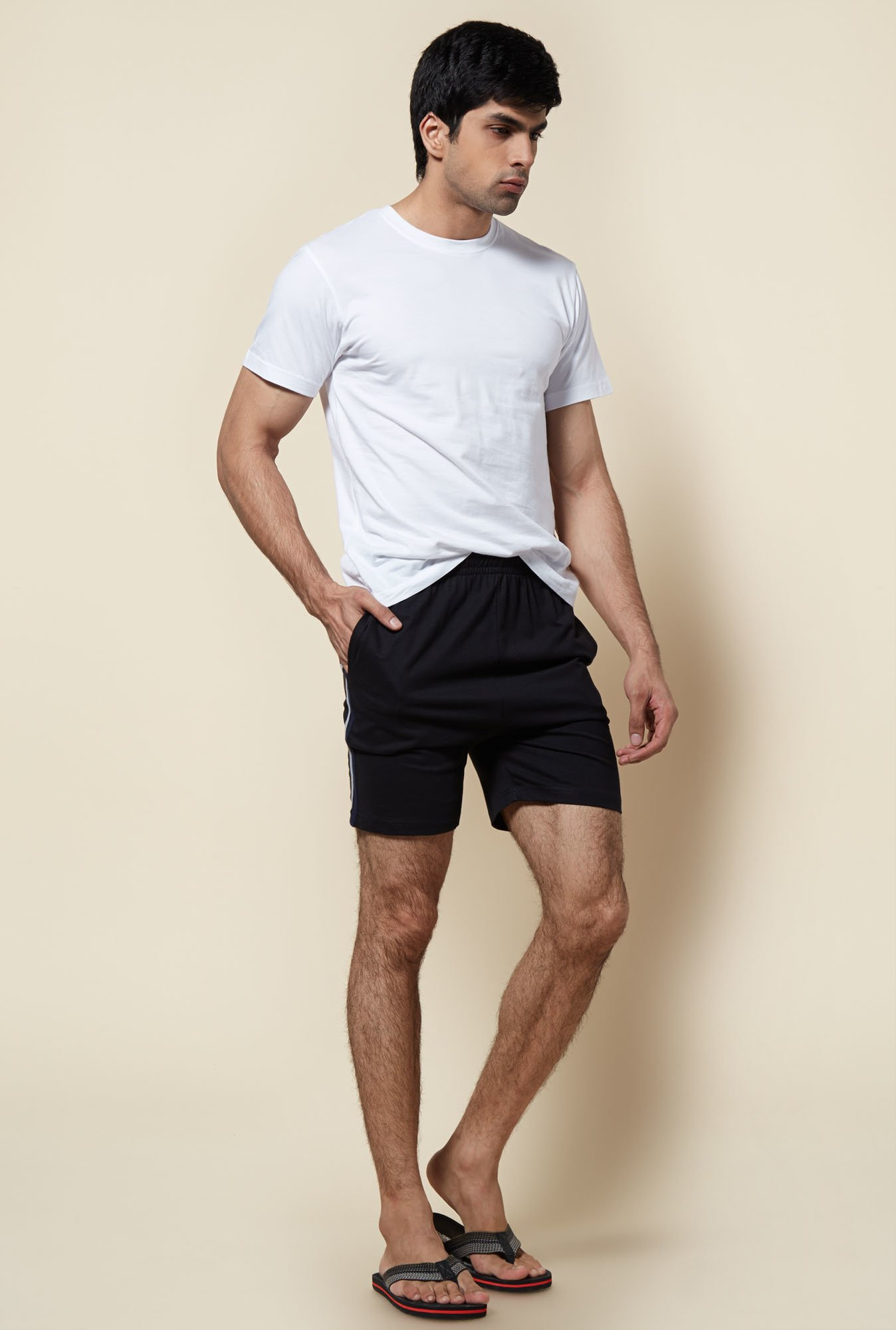 Zudio Black Solid Shorts