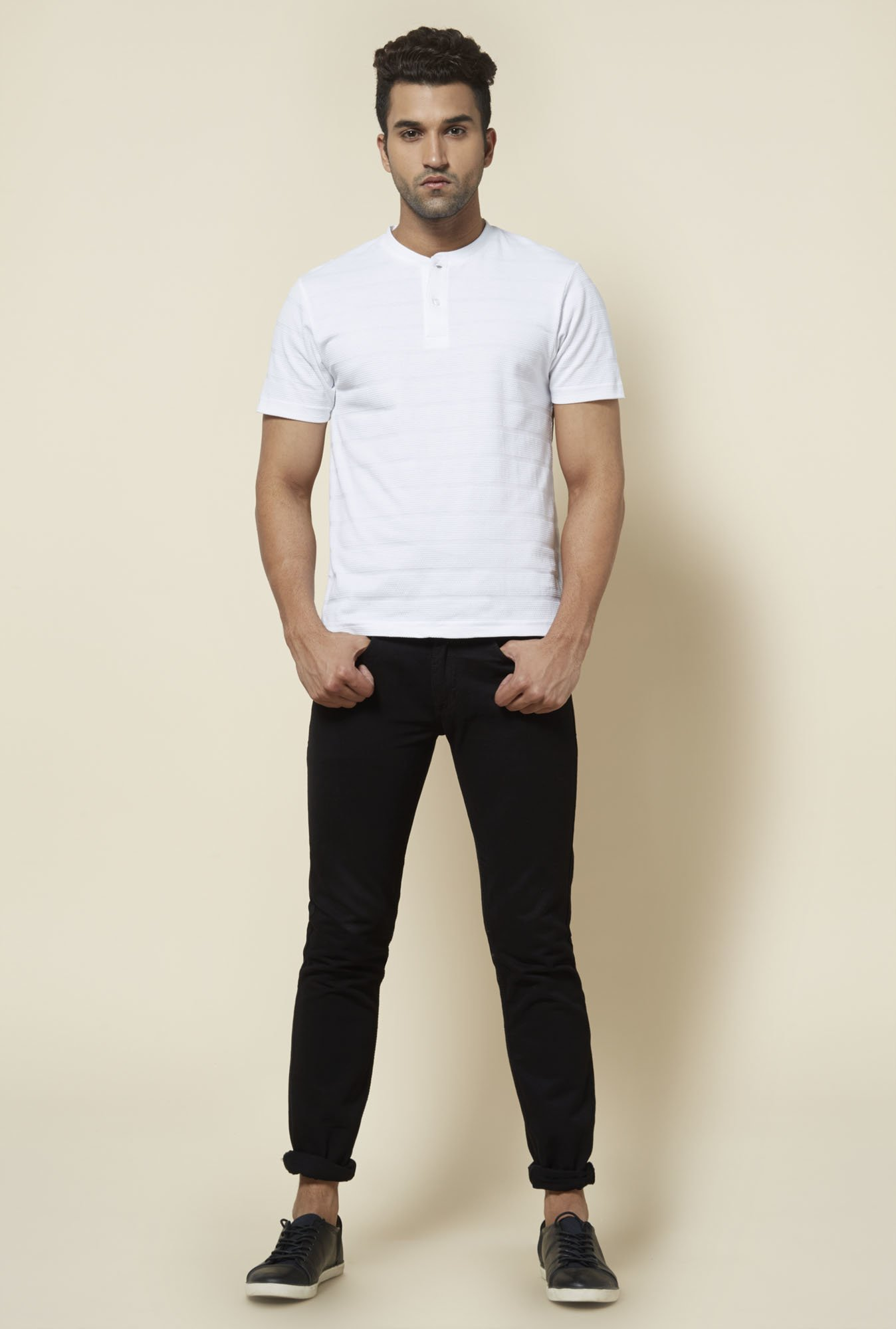 Zudio Black Lightly Washed Jeans