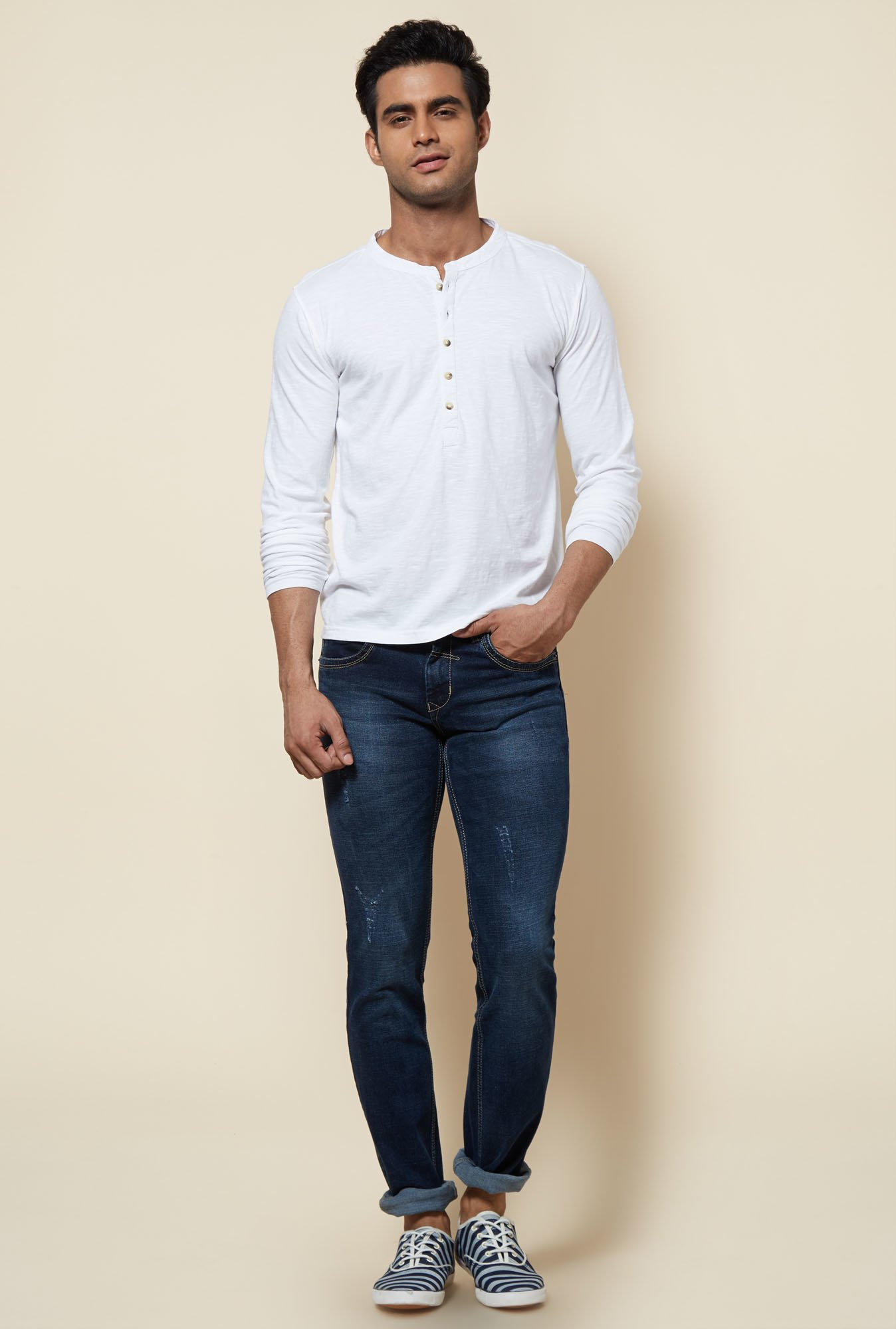 Zudio White Solid Henley Neck T Shirt