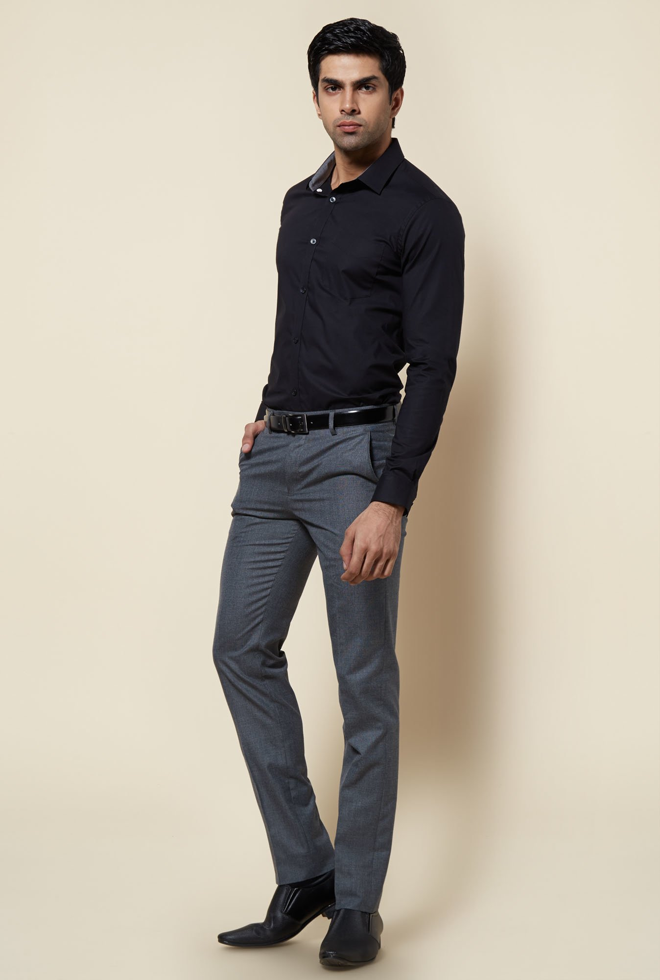 Zudio Black Solid Slim Fit Shirt