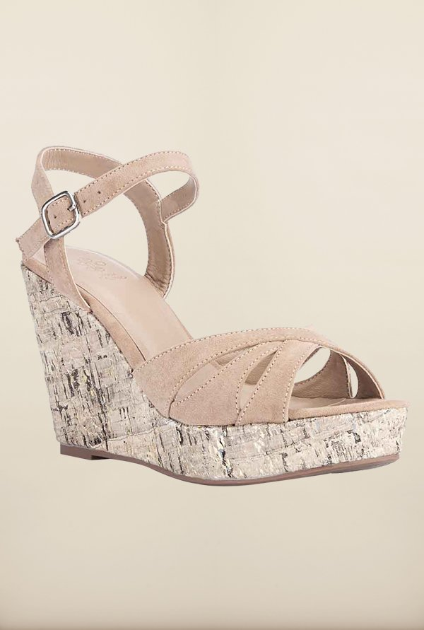 Tresmode Restredge Beige Wedges