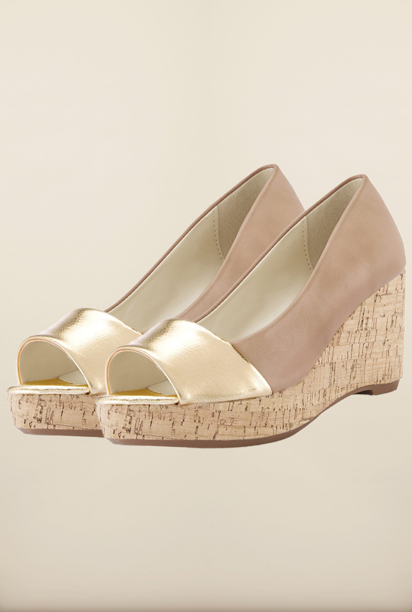 Tresmode Chsteeledge Beige & Gold Wedges