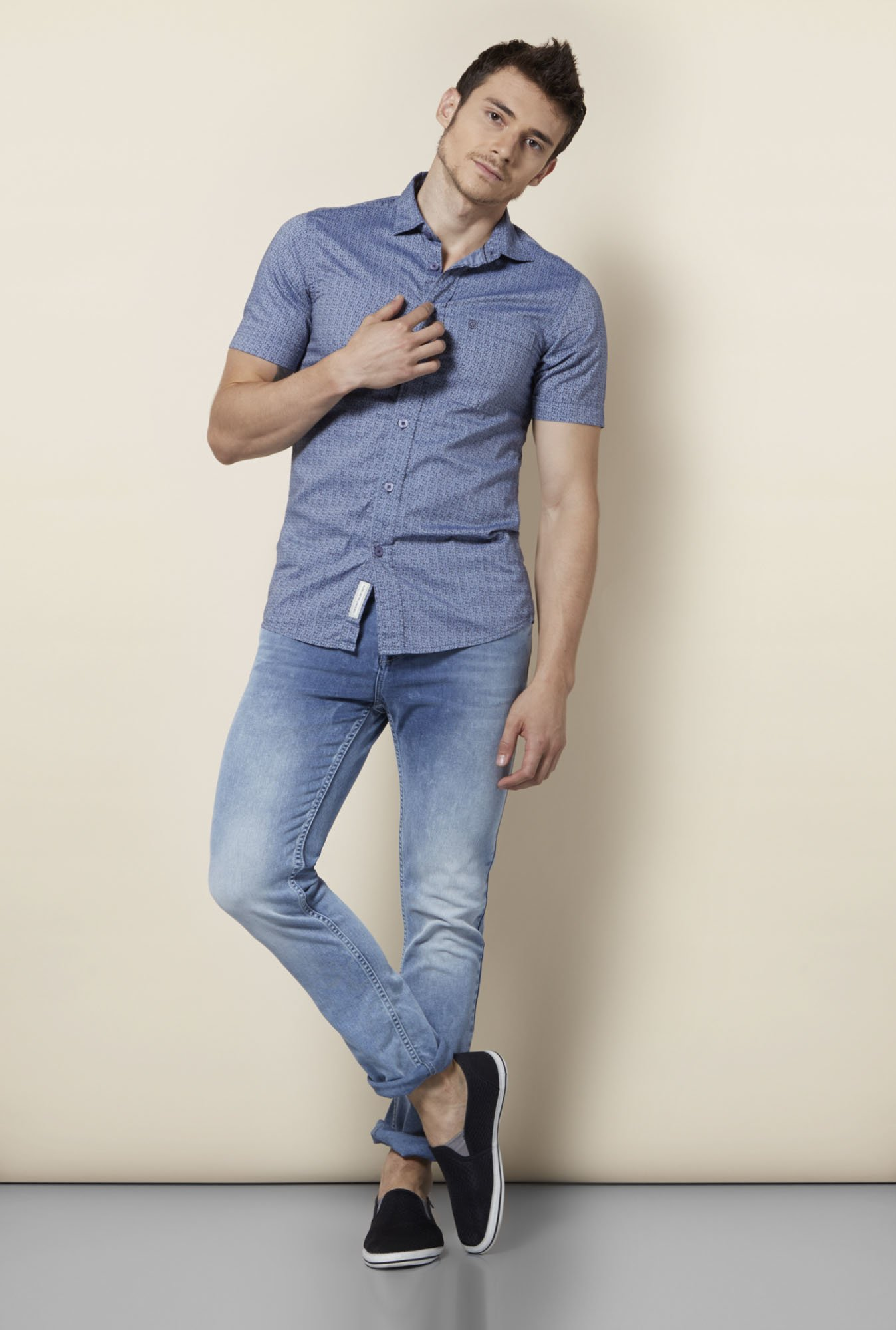 Integriti Light Blue Solid Slim Fit Jeans