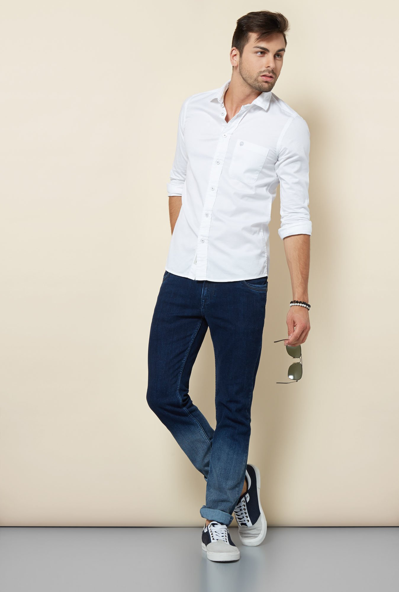 Integriti White Solid Slim Fit Shirt