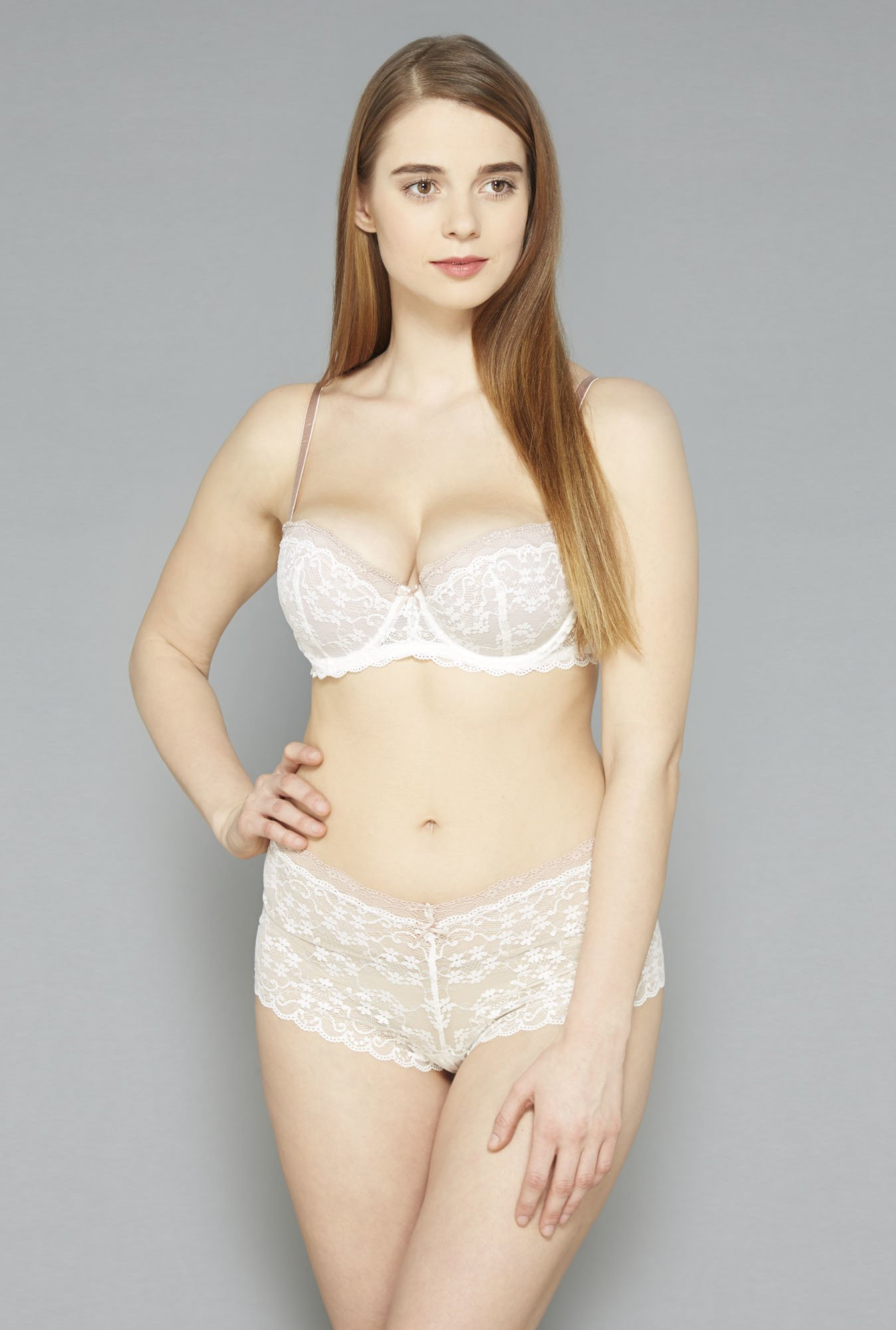 Wunderlove Beige Lace Ann Hipster Panty