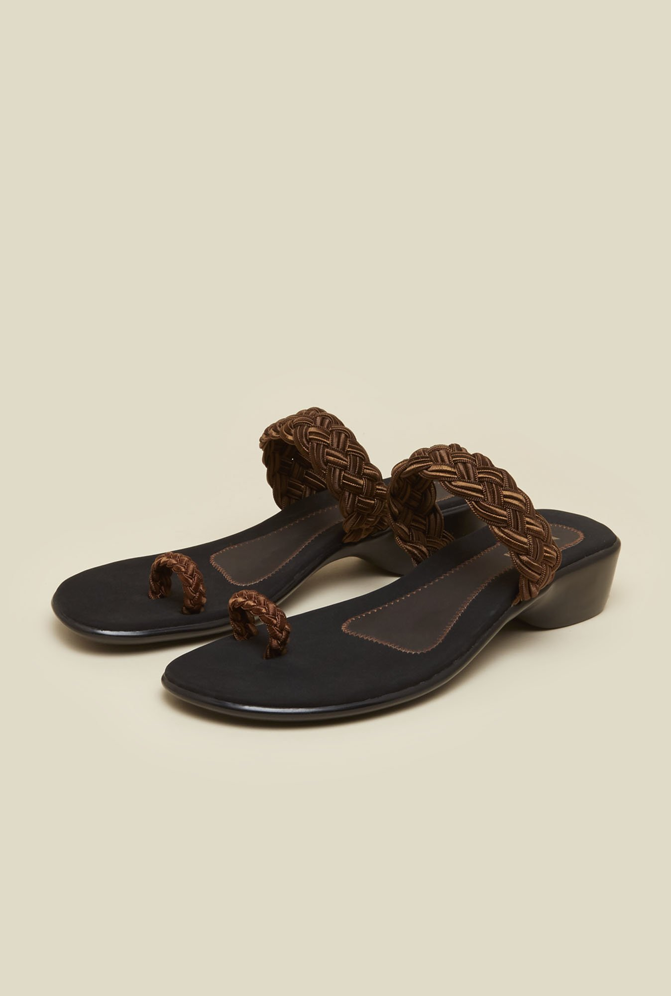 Mochi Bronze Braid Toe Ring Sandals