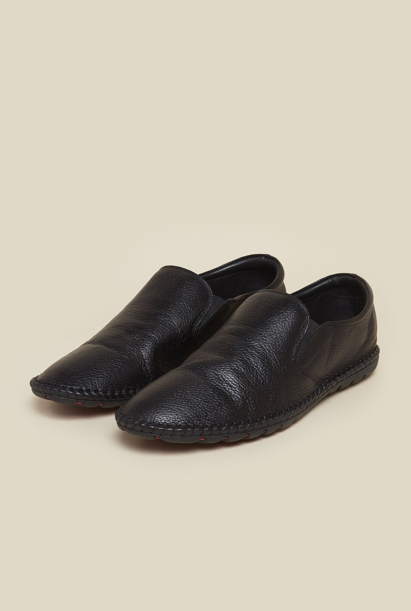 Mochi Black Leather Casual Loafers