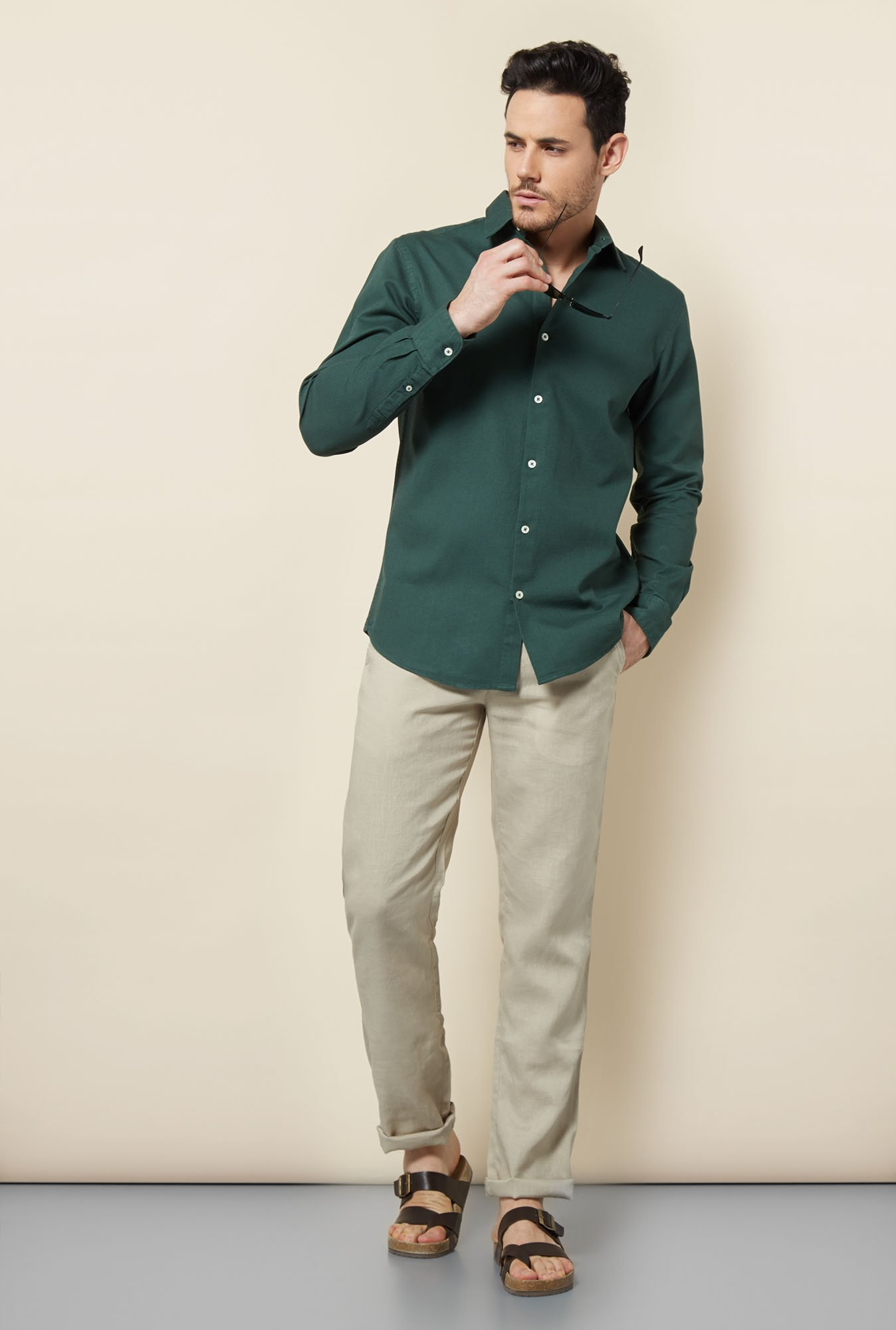 Cottonworld Green Solid Casual Shirt