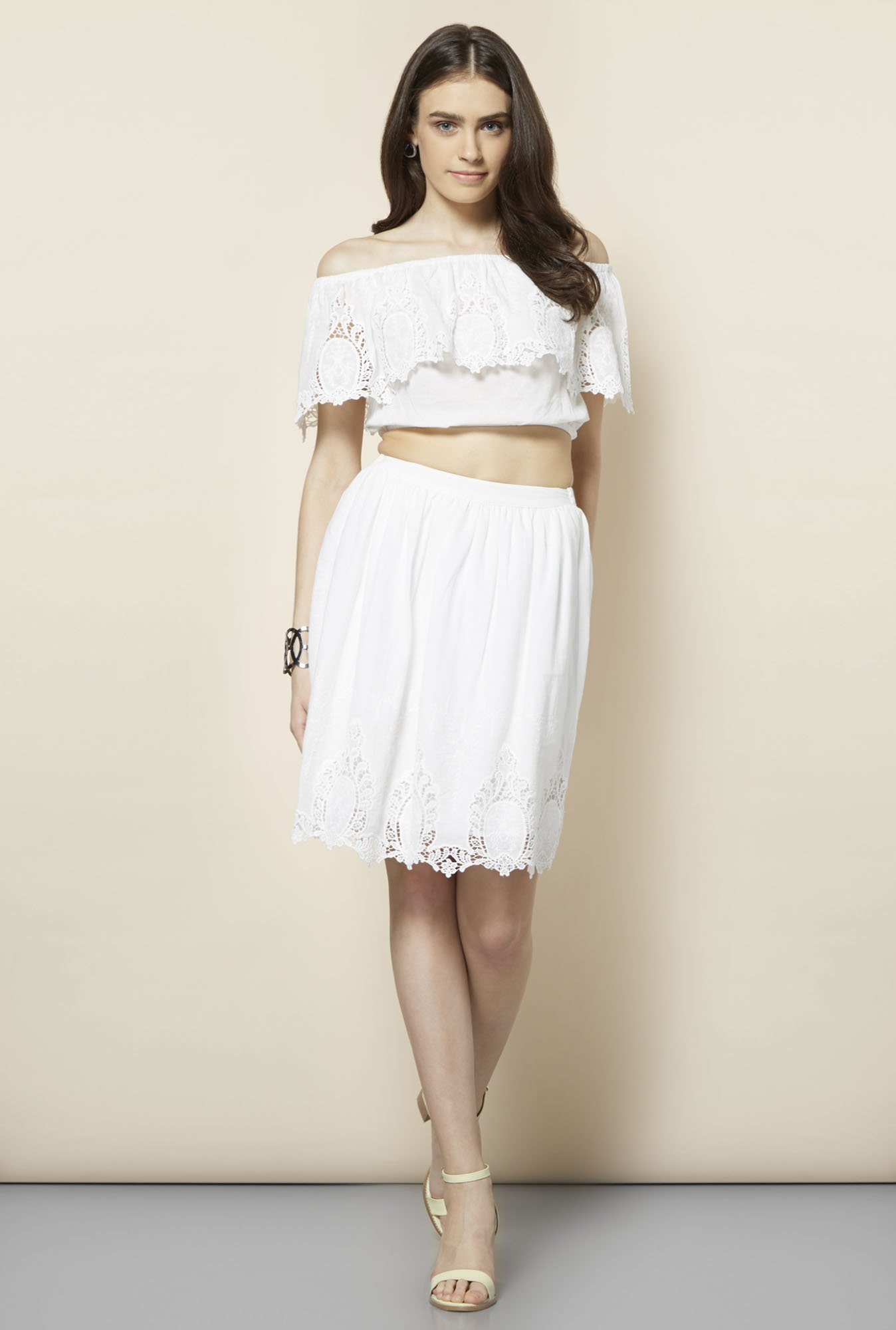 FG-4 White Embroidery Top