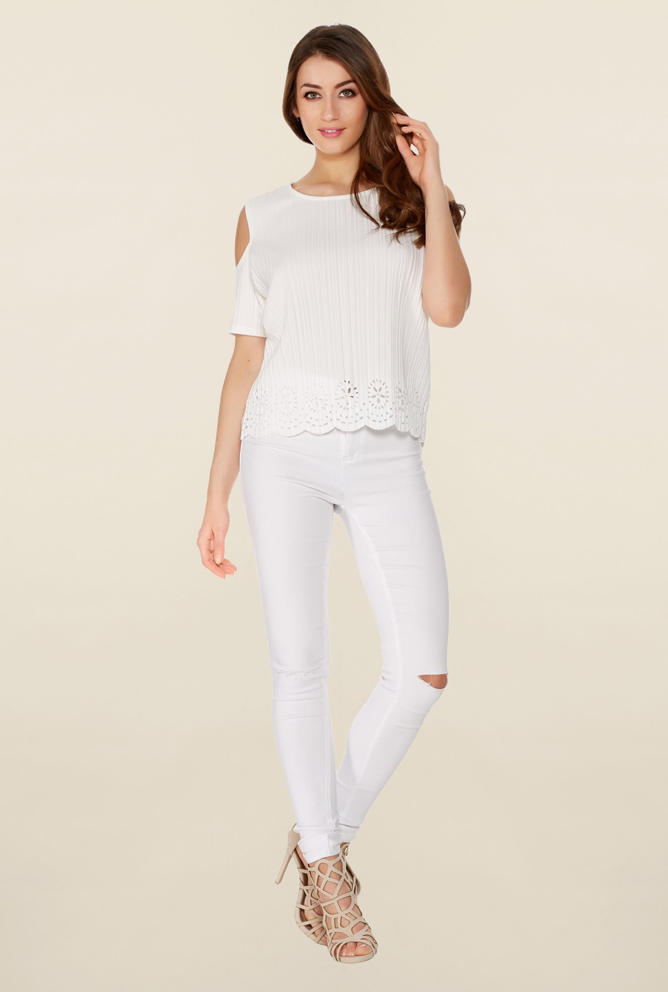 Quiz White Solid Pleated Top