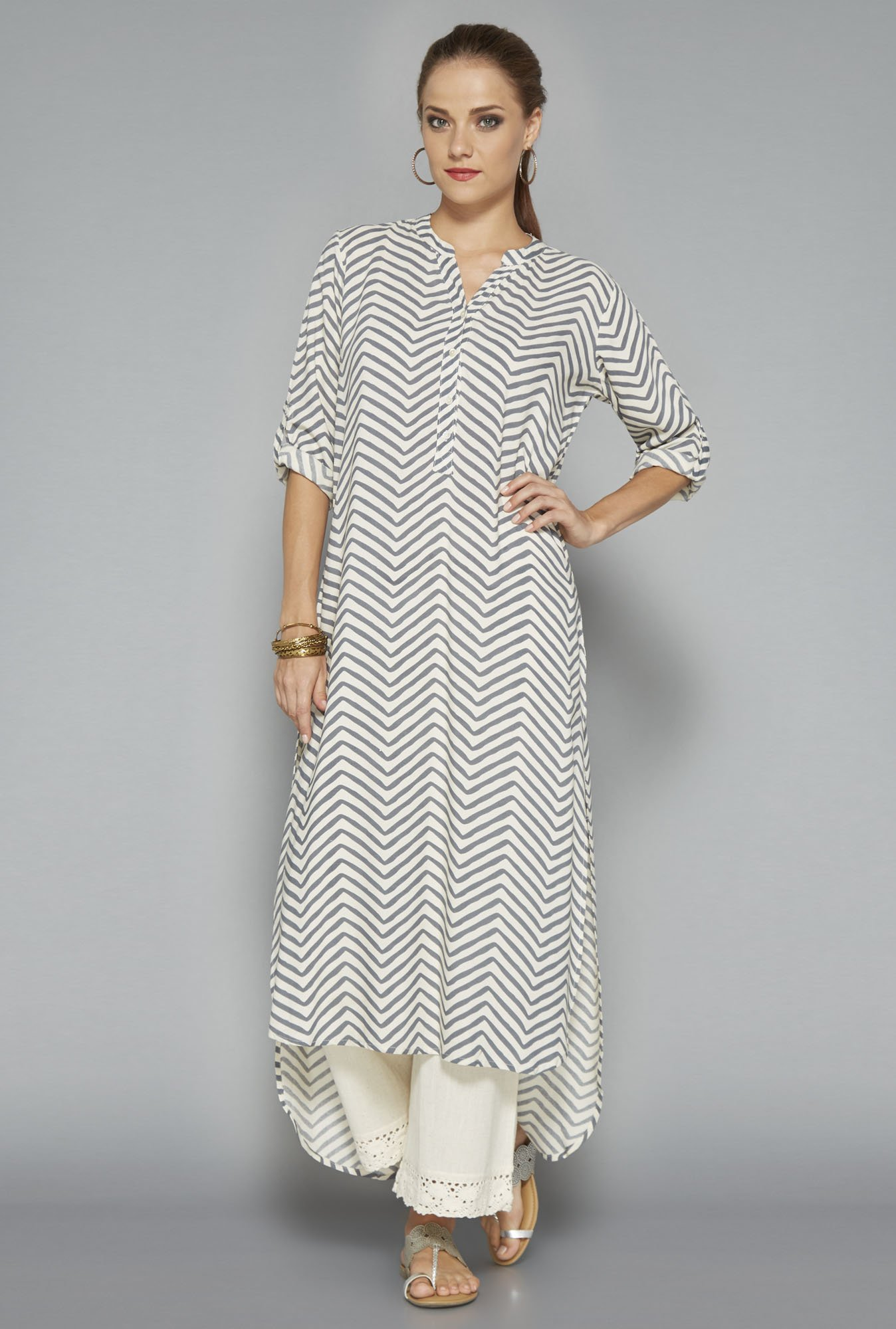 Utsa Off White Printed Kurta