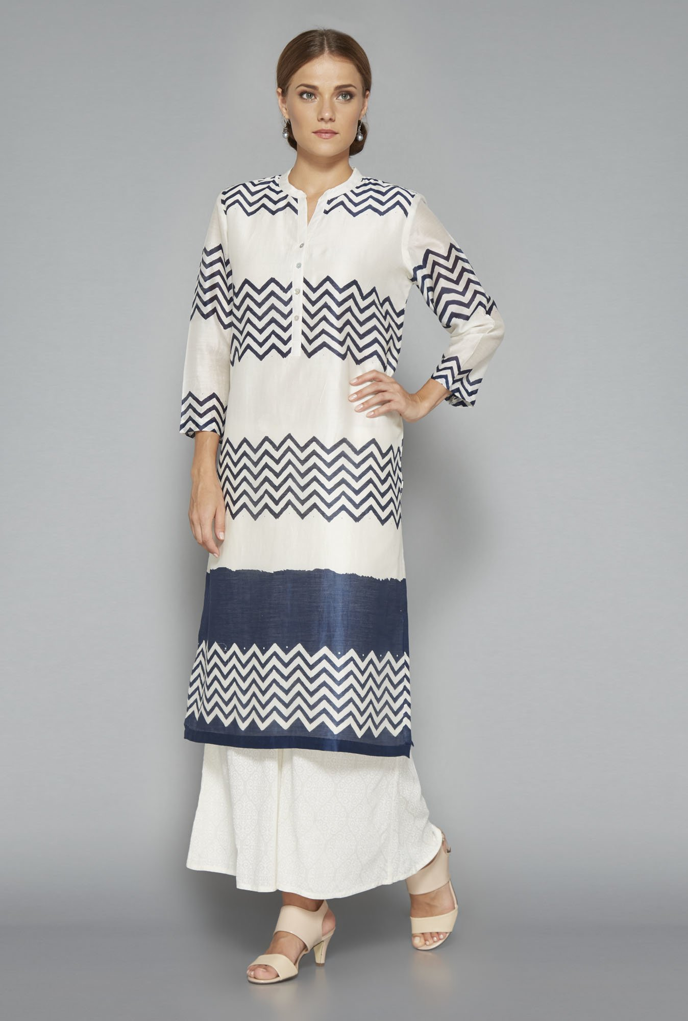 Zuba Off White Printed Cotton Kurta