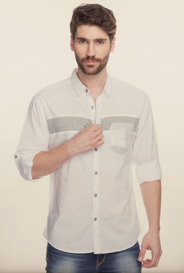 Spykar White Solid Cotton Shirt
