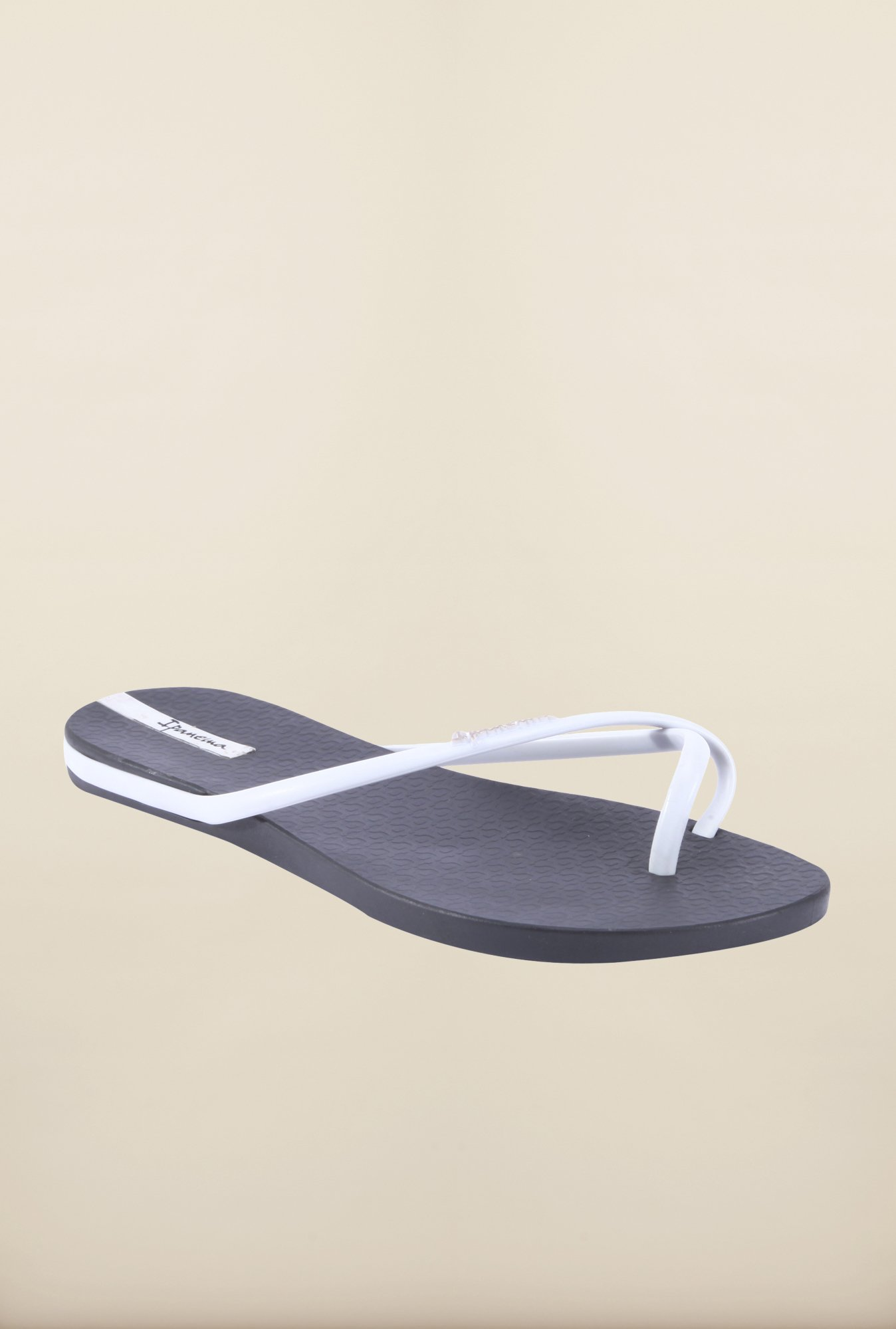 Ipanema White & Black Flip Flops
