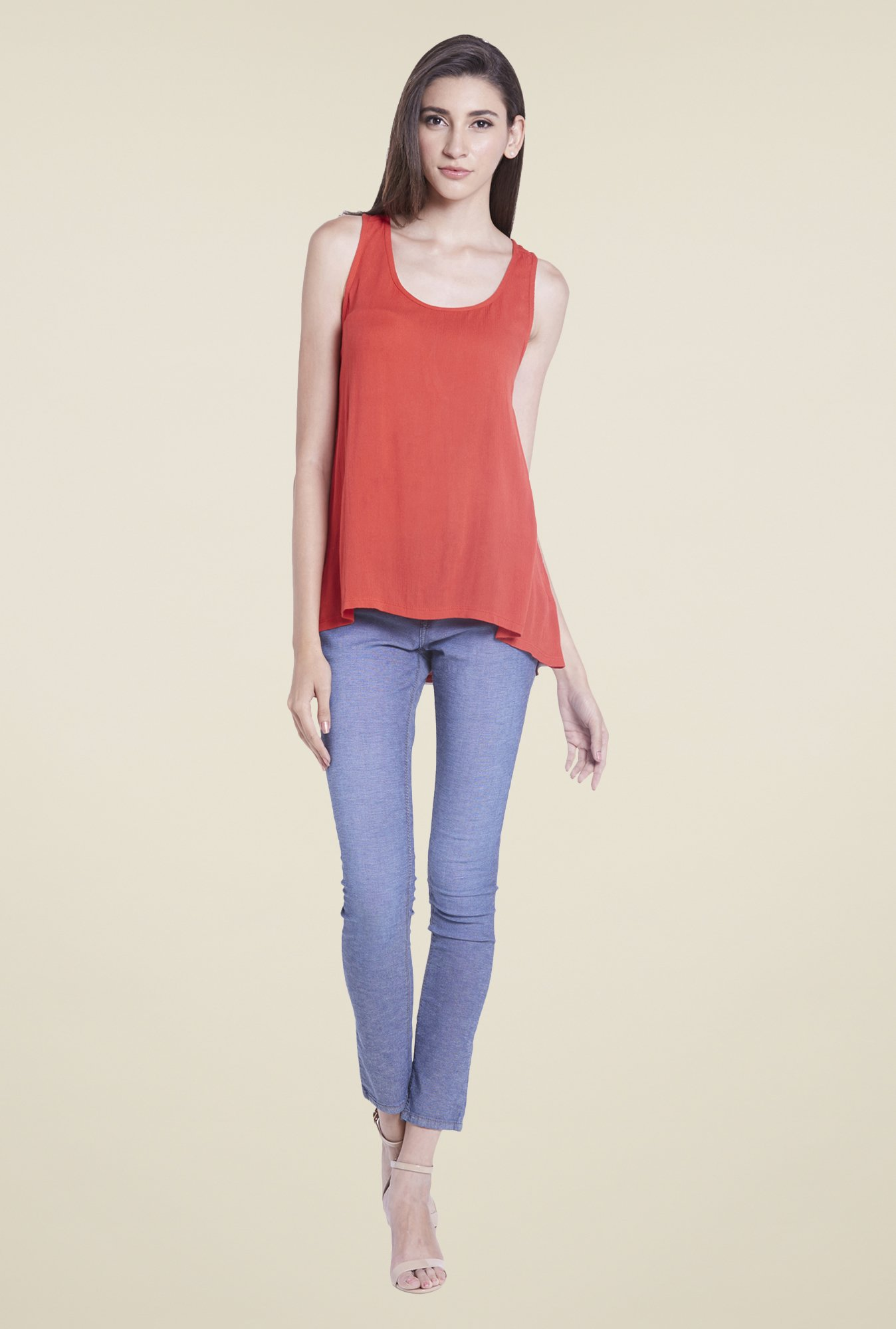 Globus Coral Solid U Neck Top