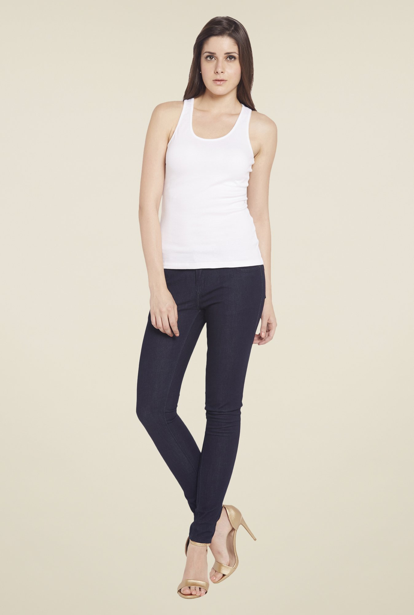 Globus White Solid Tank Top