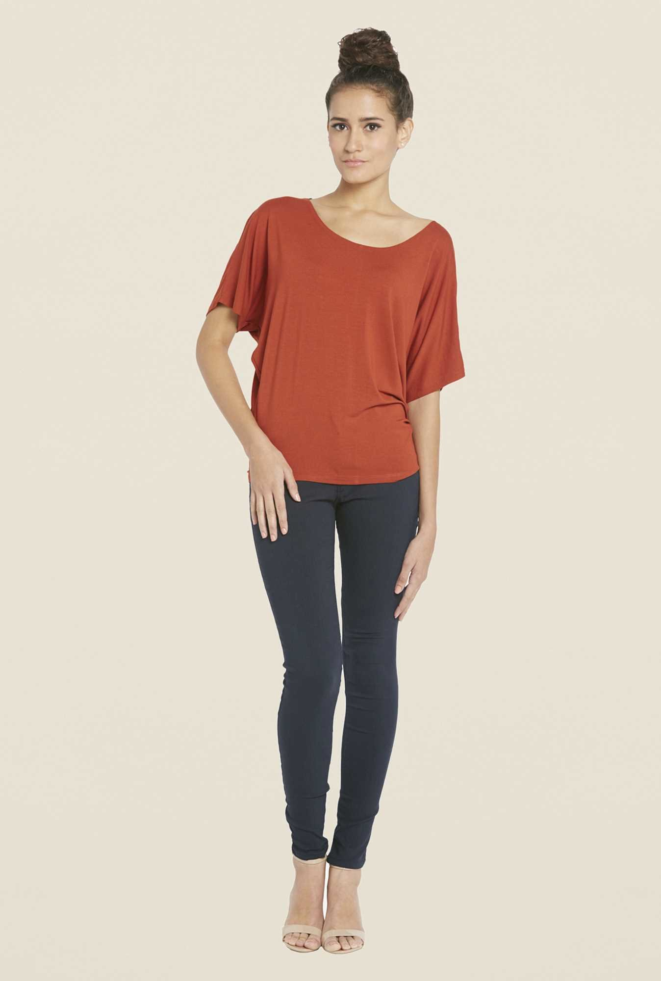 Globus Red Solid Top