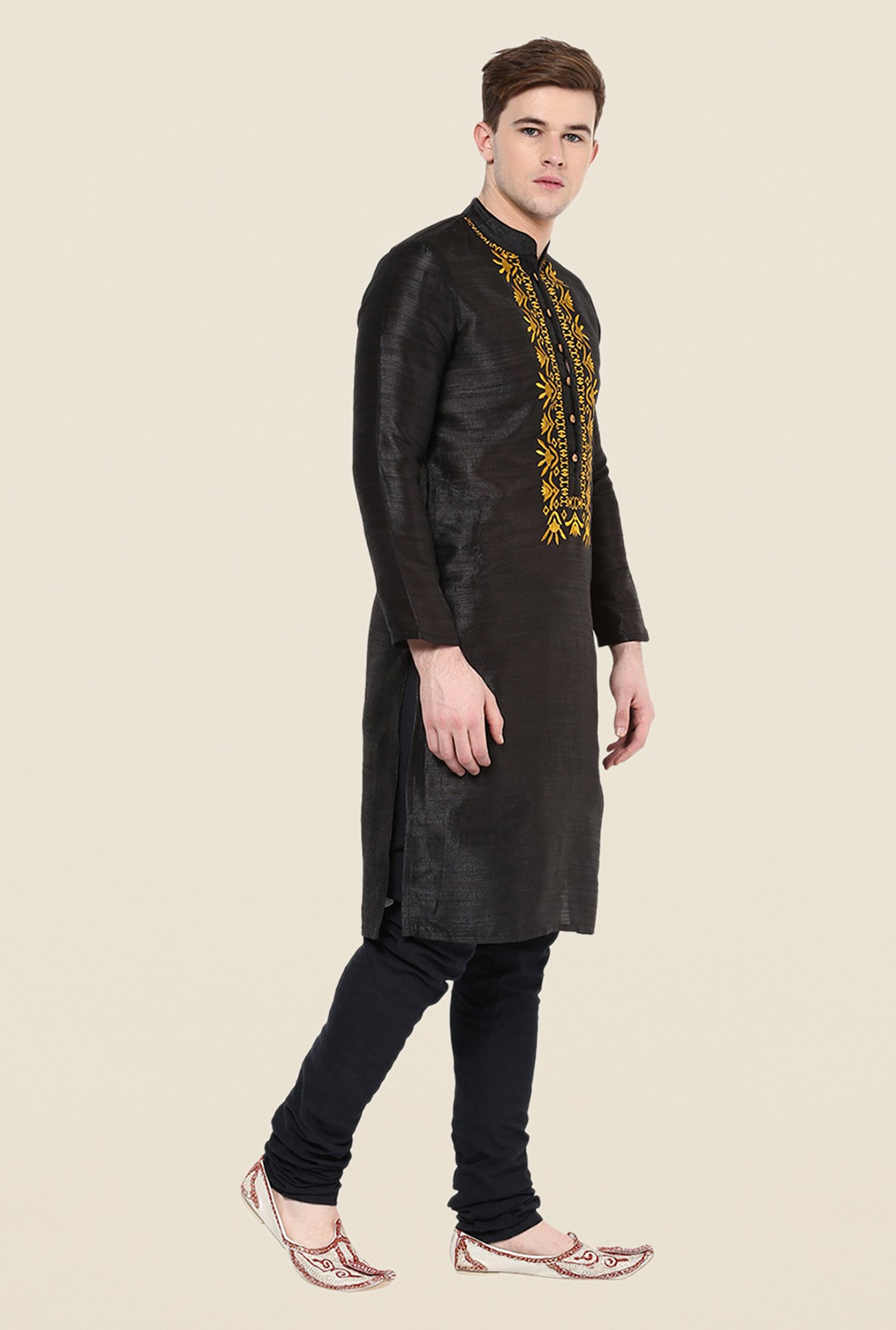 Yepme Black Embroidered Kurta