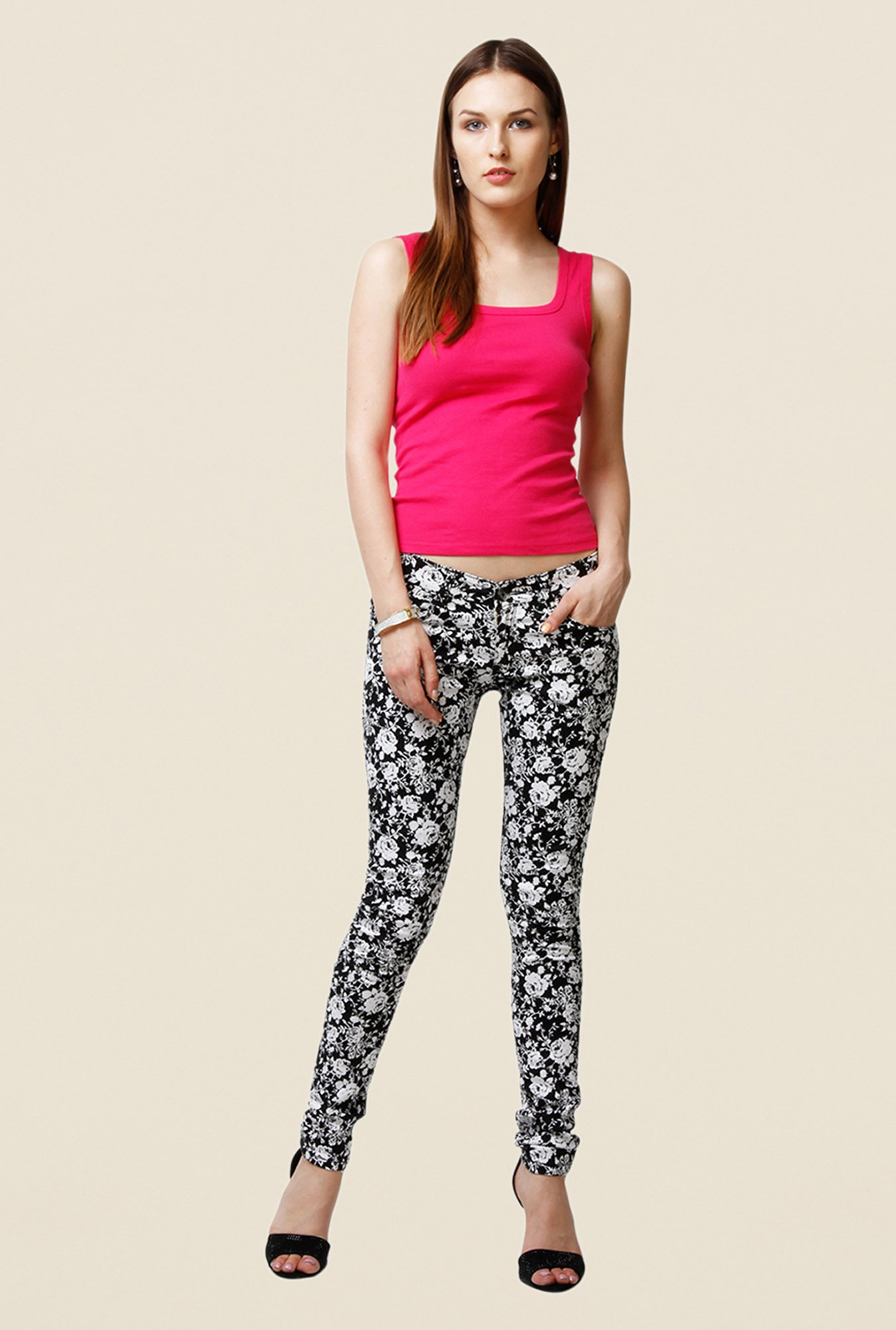 Yepme Estella Black & White Floral Print Chinos