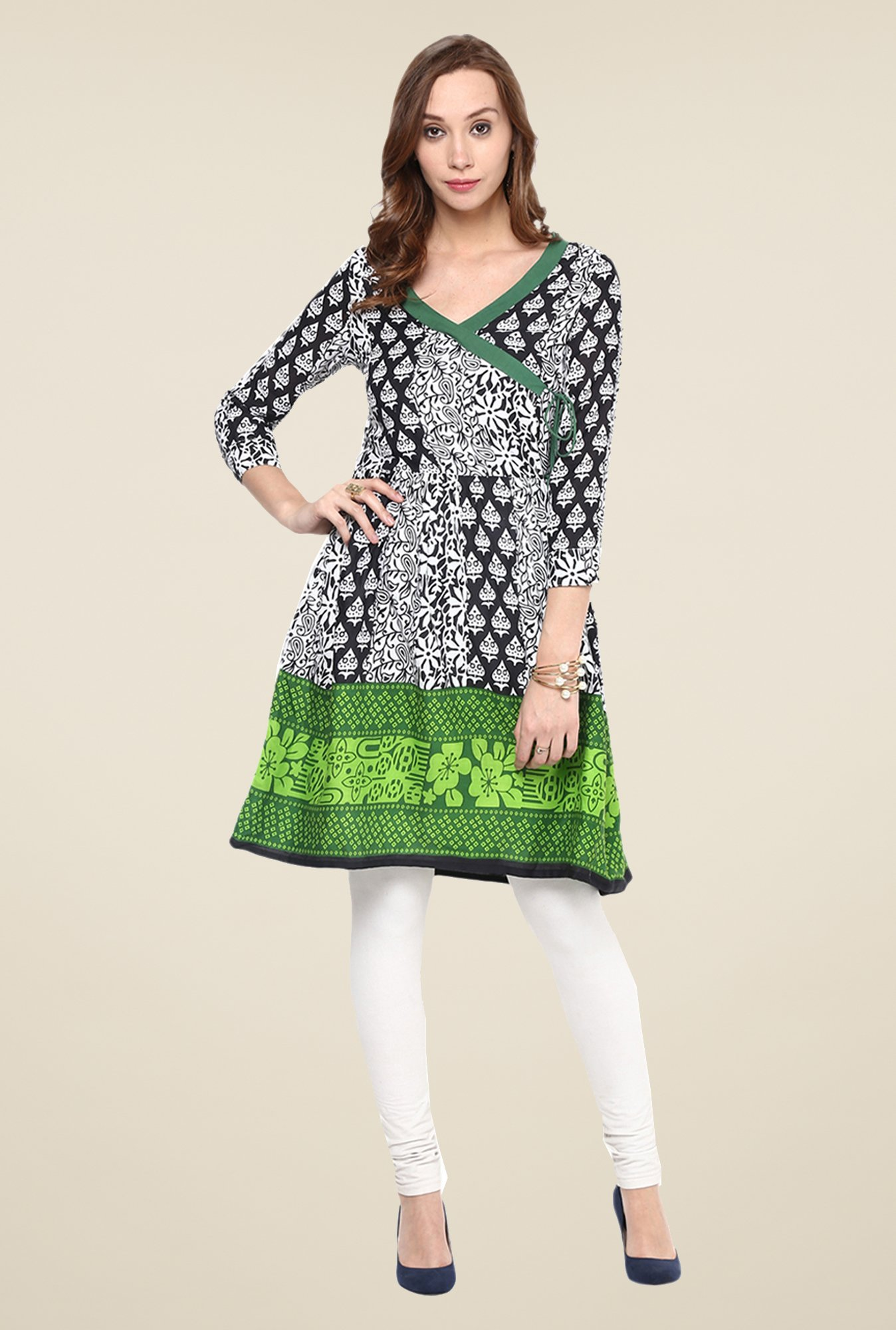 Yepme Black & Green Printed Kurti
