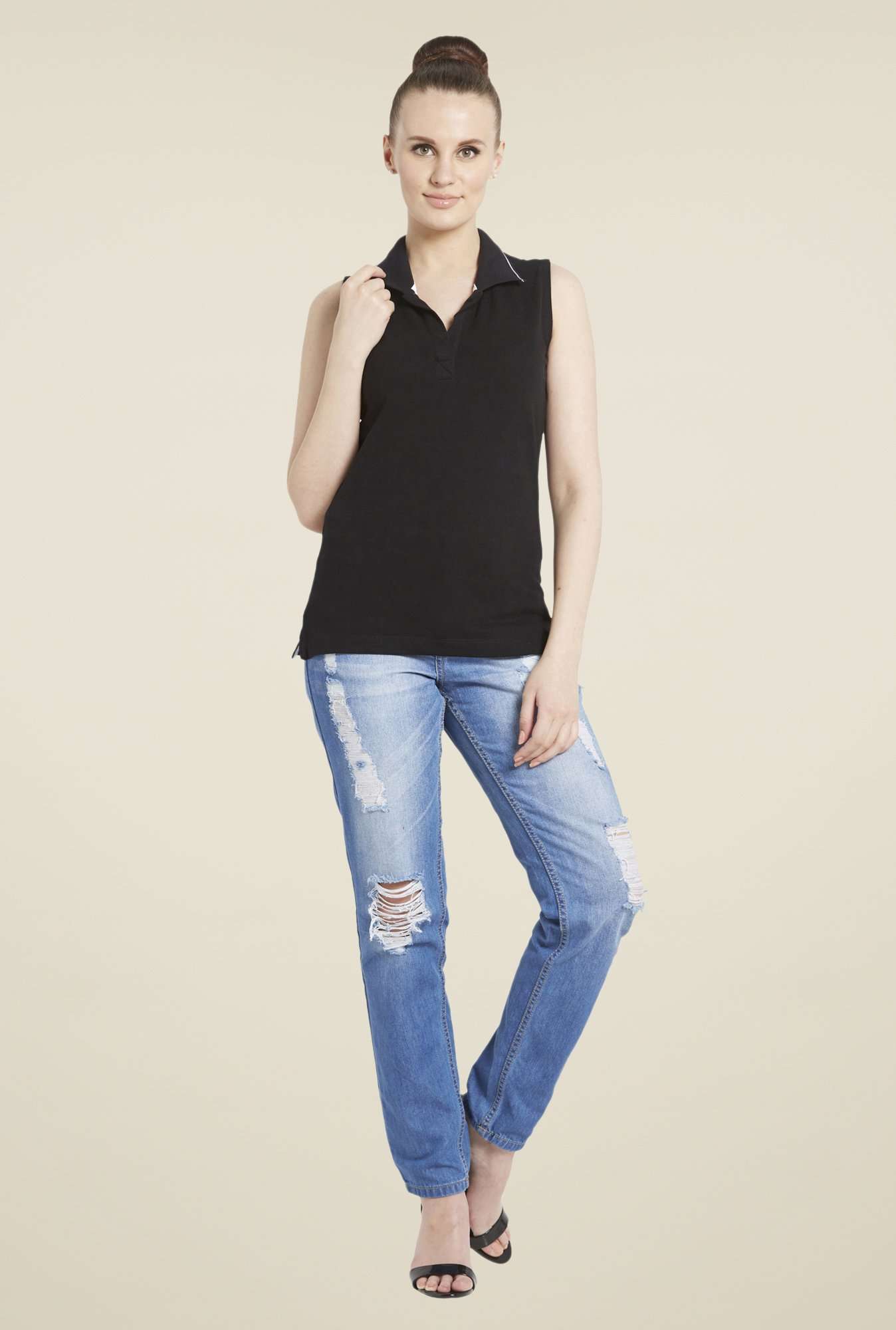 Globus Black Solid Sleeveless T-Shirt