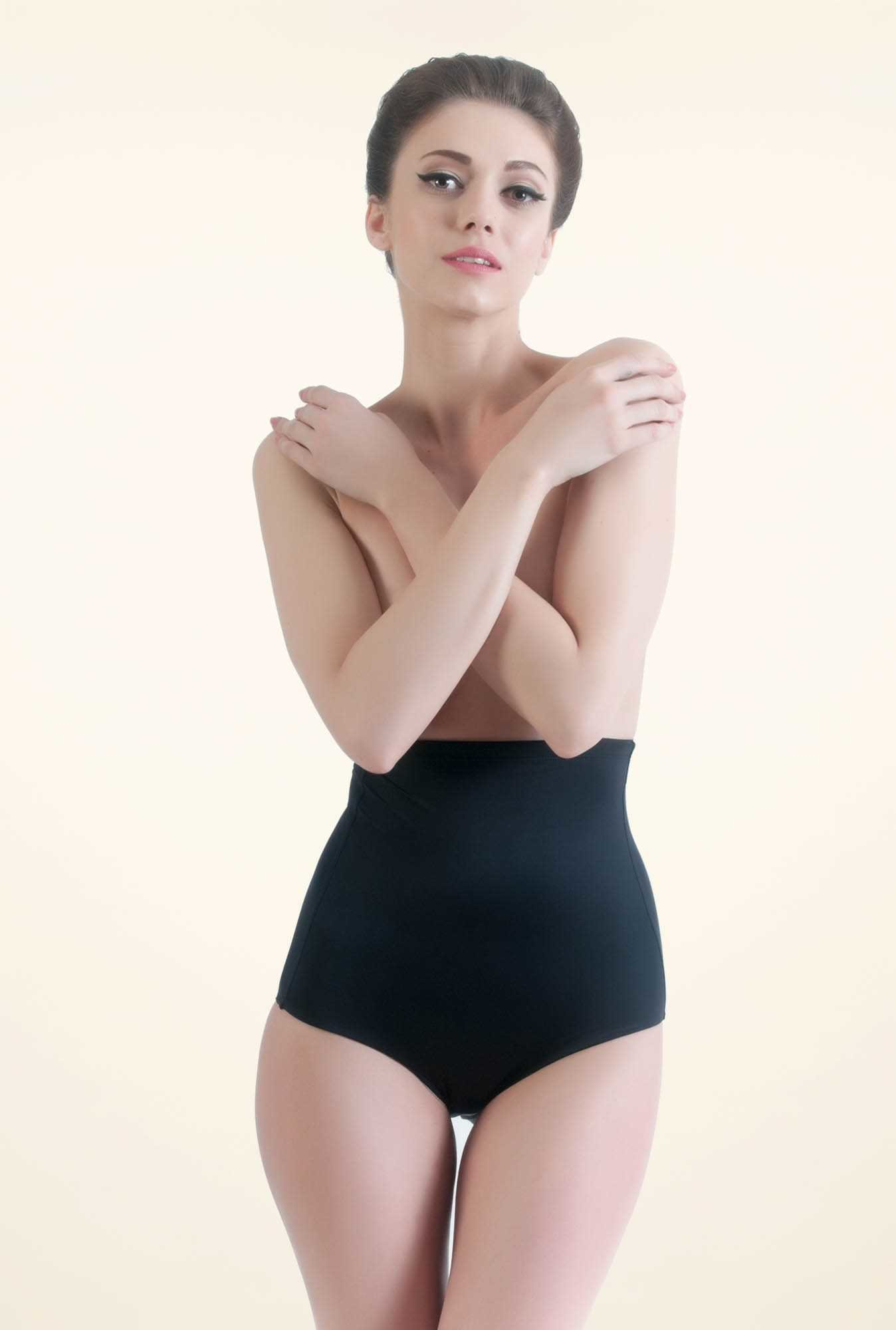 Bwitch Black Solid Shapewear