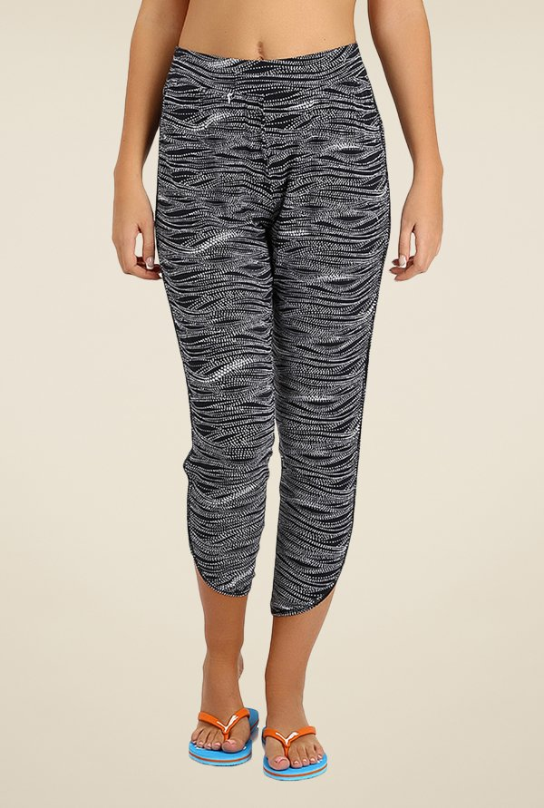 Puma Black & White Printed Capris
