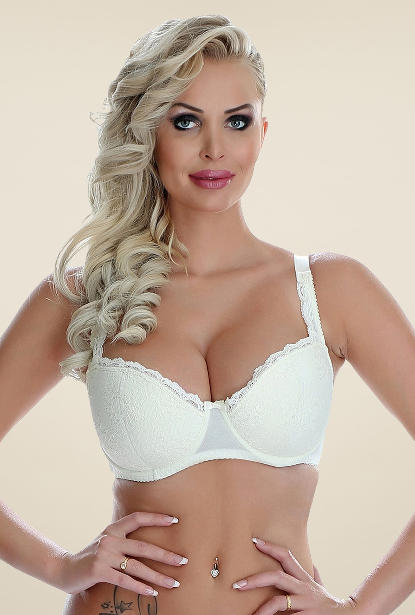 Clovia Off White Powernet Padded Bra