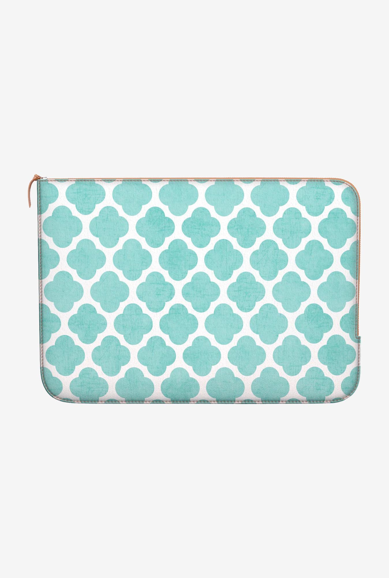 DailyObjects Teal Clover MacBook Pro 15 Zippered Sleeve
