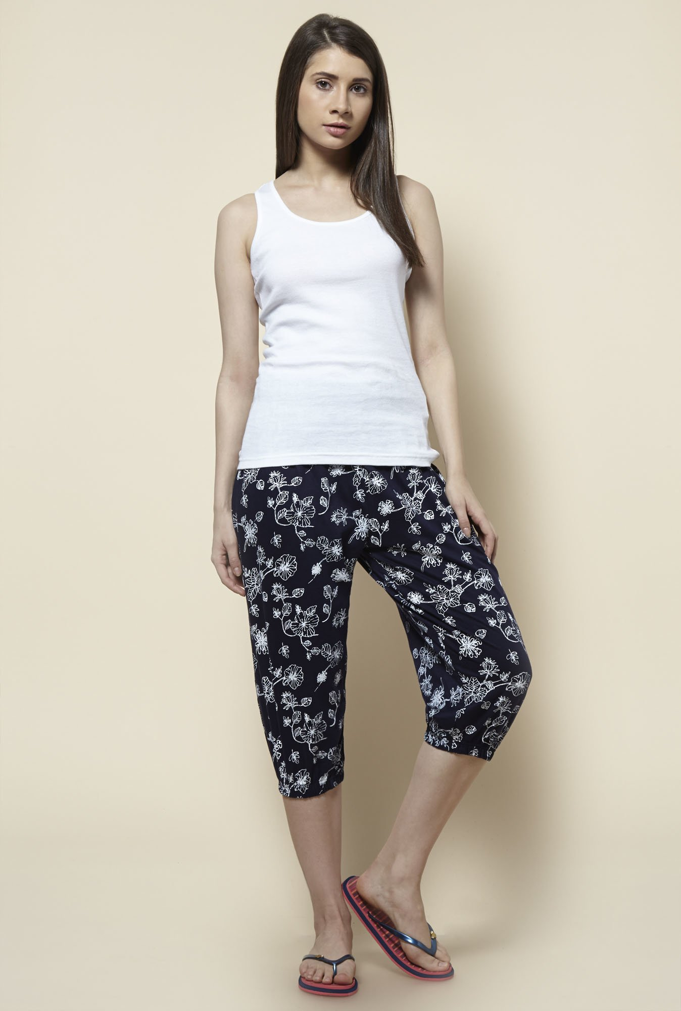 Zudio Navy Printed Capri