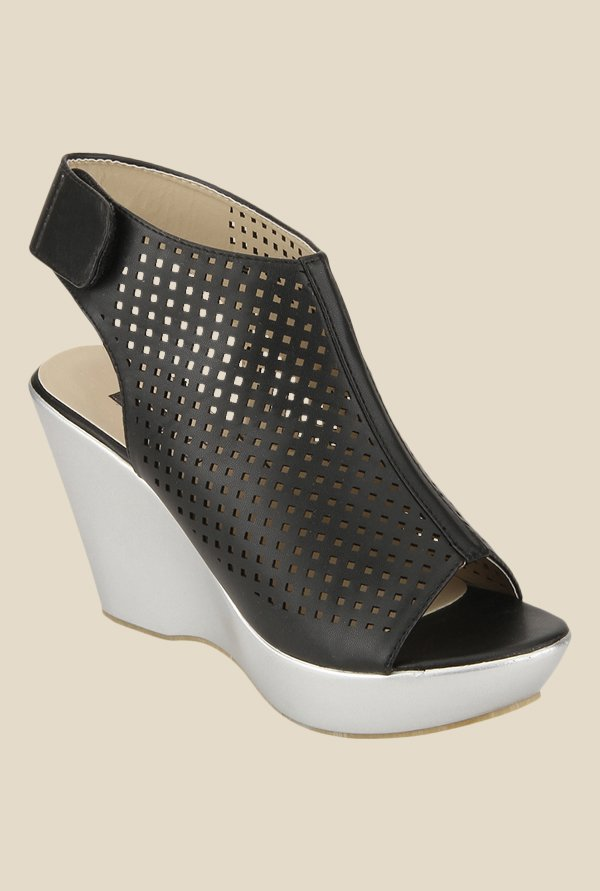 Yepme Black Back Strap Wedges