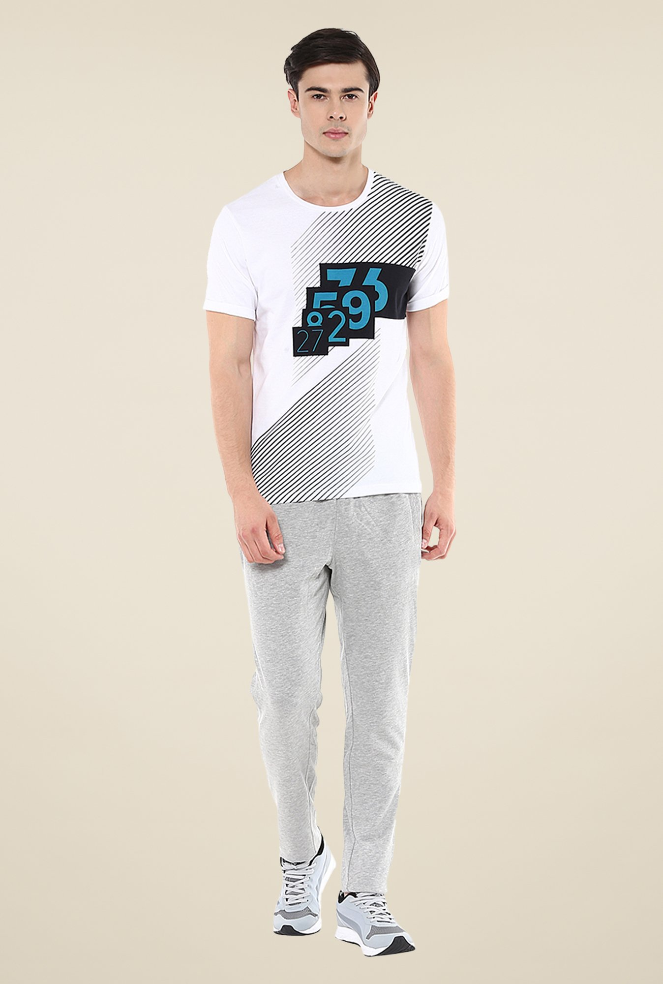 Yepme White Lee High Performance Printed T-shirt