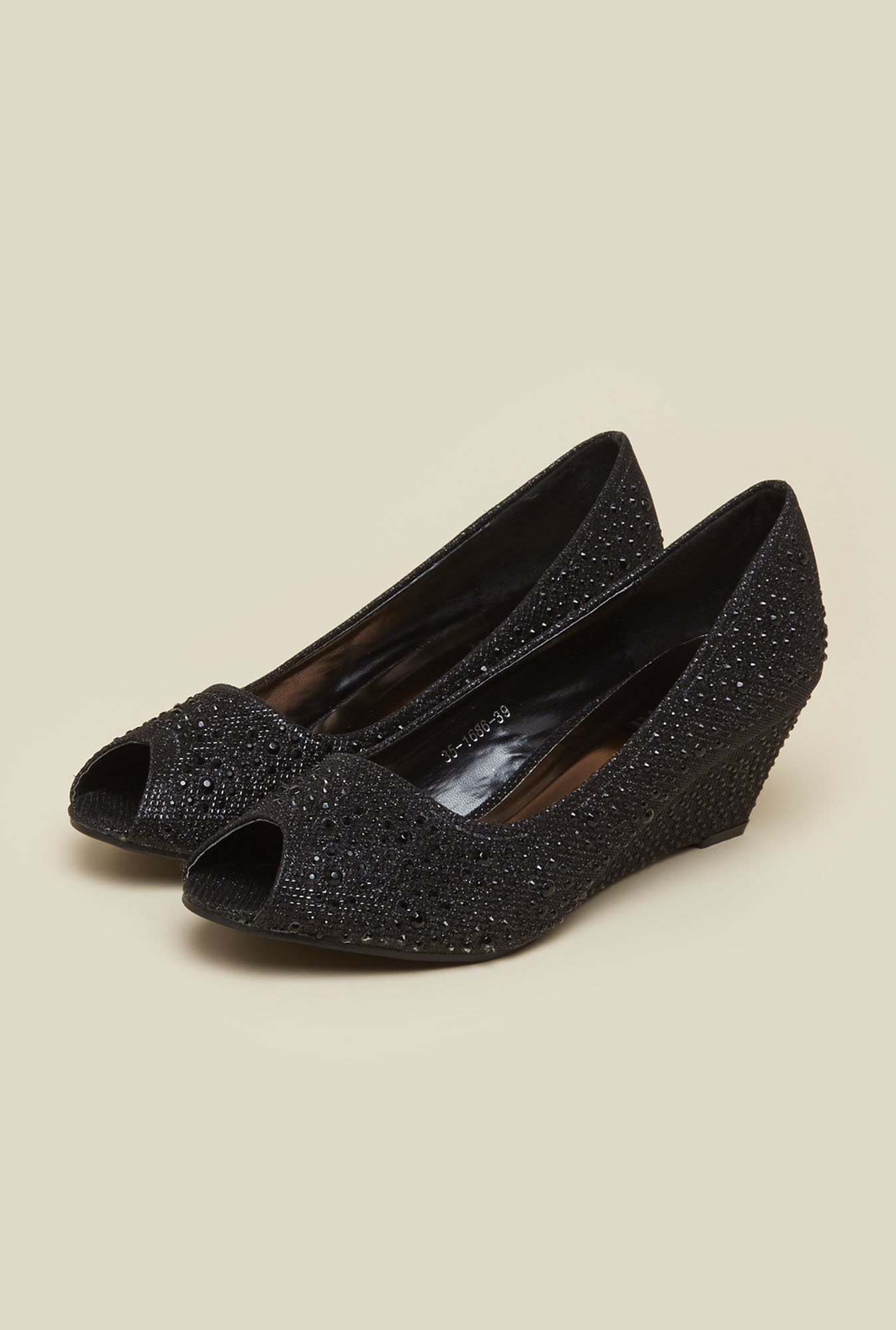 Mochi Black Ethnic Wedges