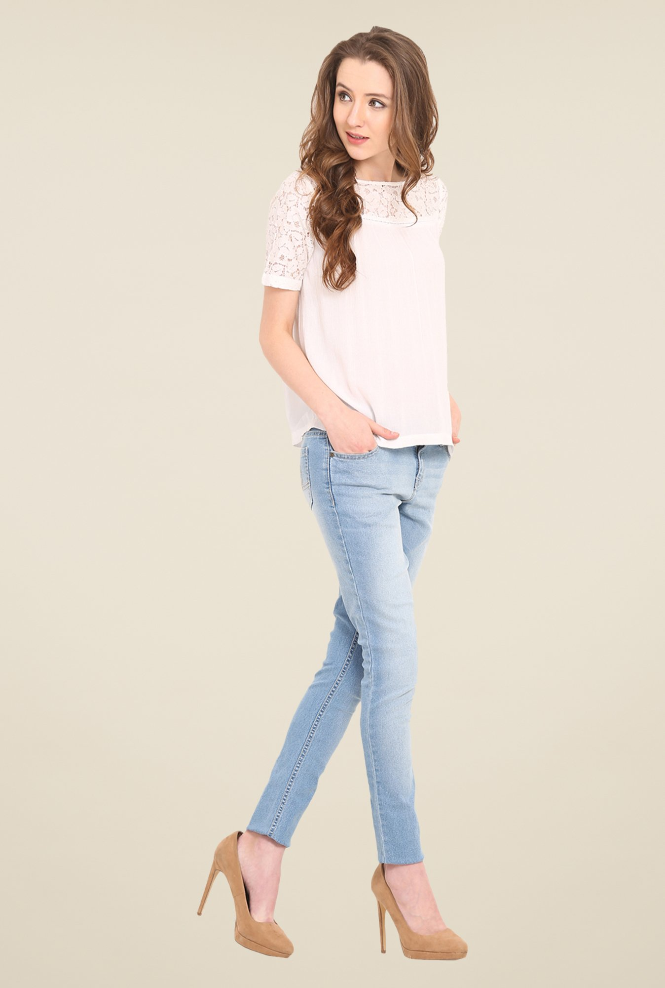 Saiesta White Solid Top