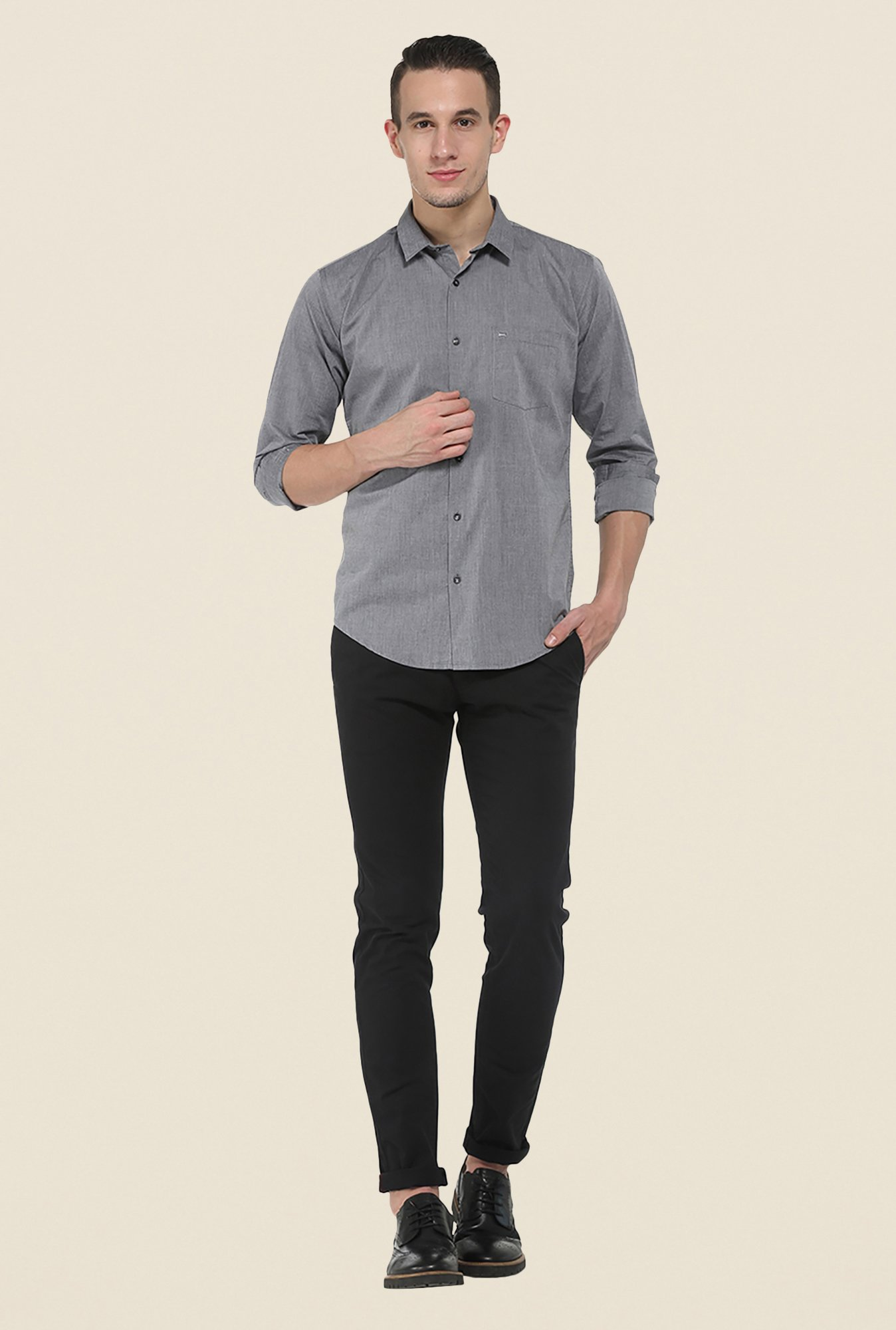 Basics Black Solid Tapered chinos