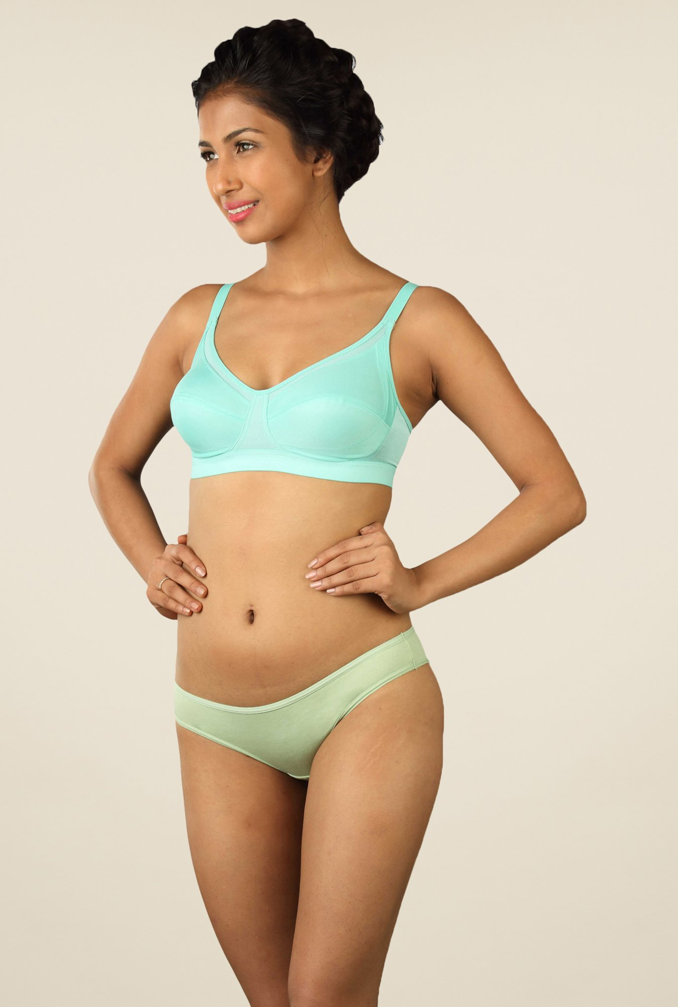 Triumph Turquoise Solid Sports Bra