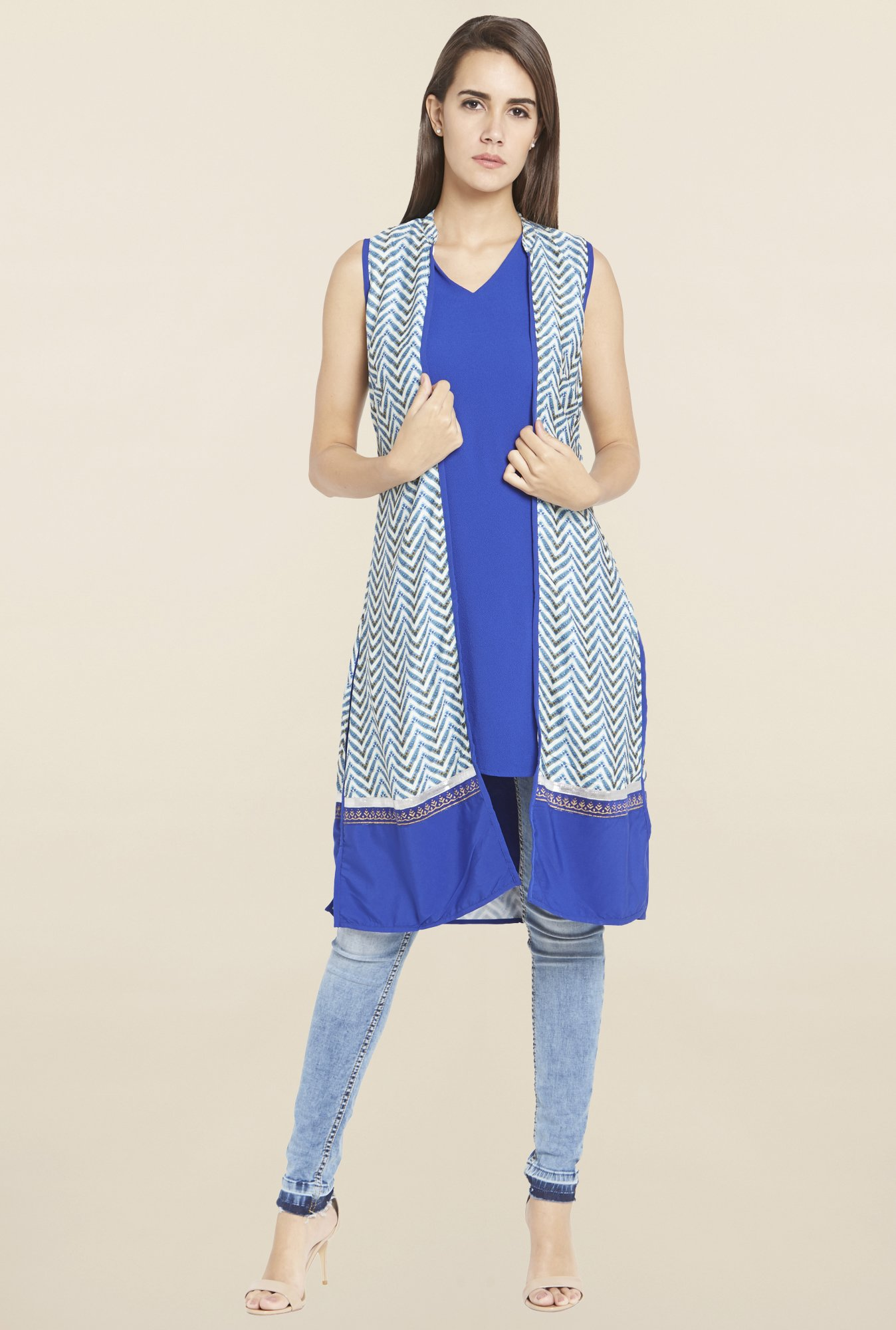 Globus Blue Chevron Print Shrug