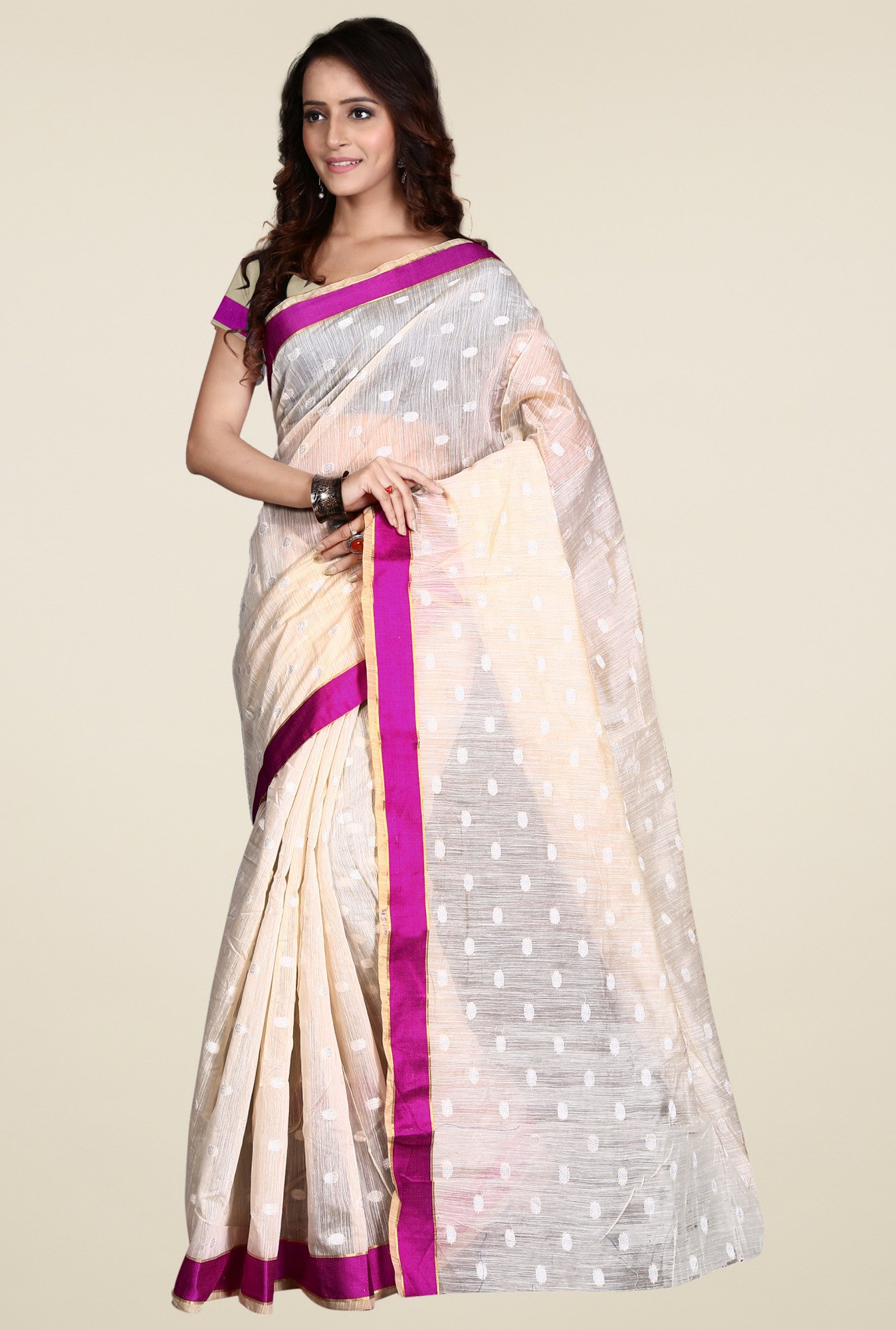 Triveni Off-White Embroidered Saree