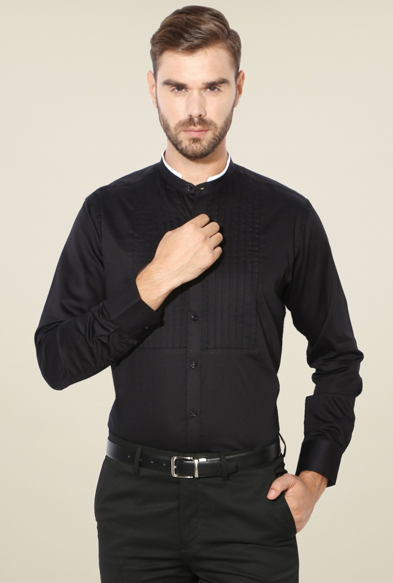 Van Heusen Black Regular Fit Solid Shirt