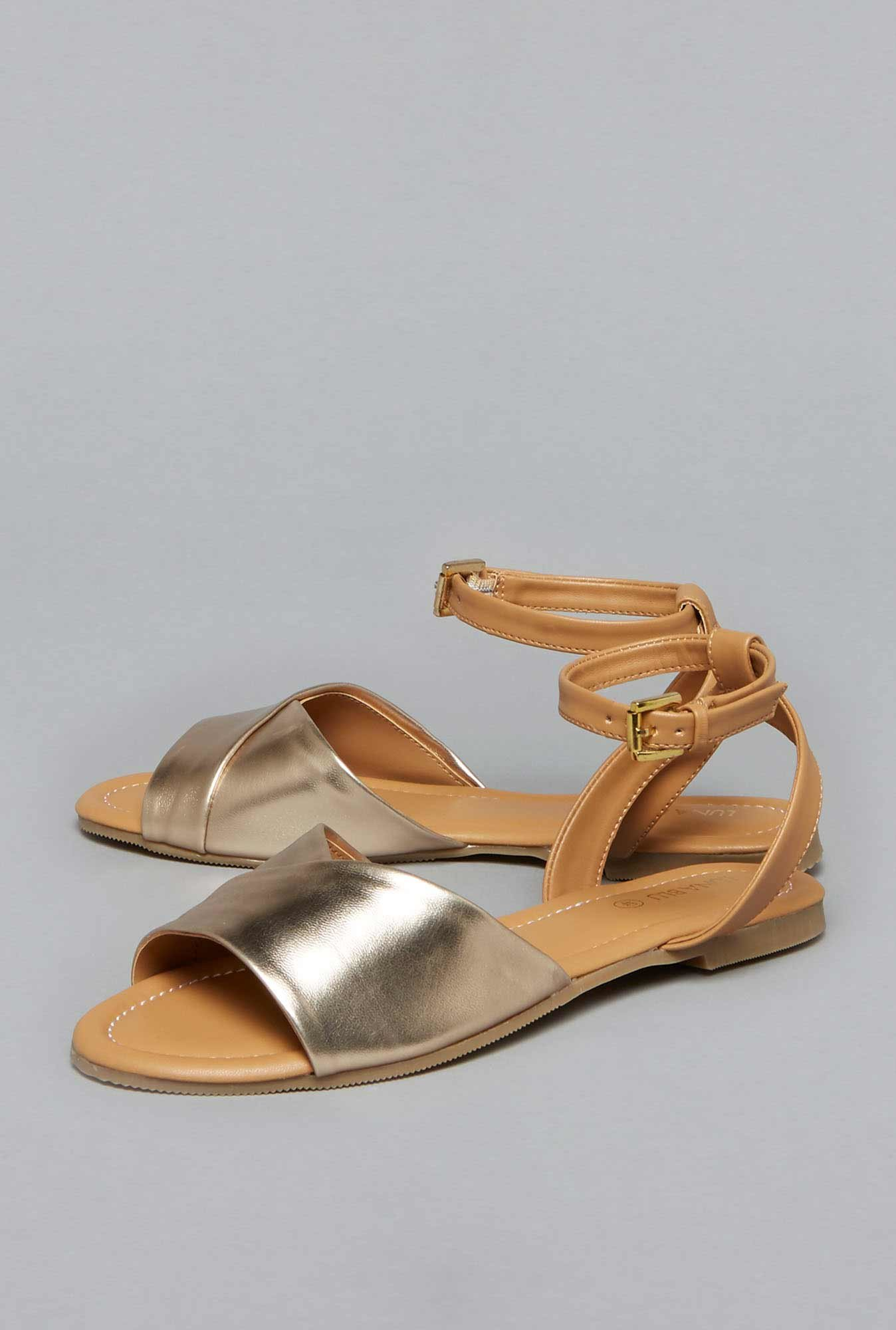 Gold For Luna Cliq Tata Westside At Buy Blu Sandals Women Online By N0wOkXZnP8